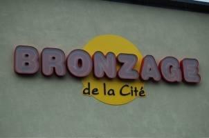 Bronzage De La Cité in Laval