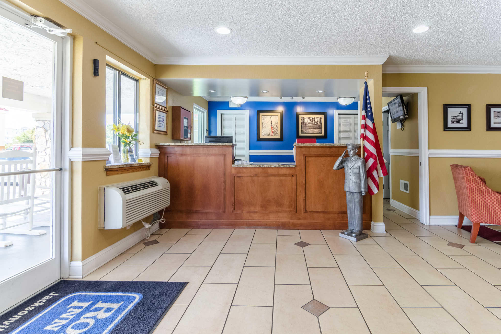 Rodeway Inn & Suites image 8