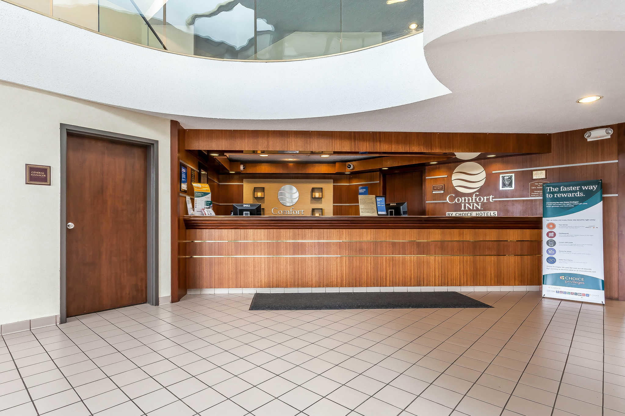 Comfort Inn Cleveland Airport image 4