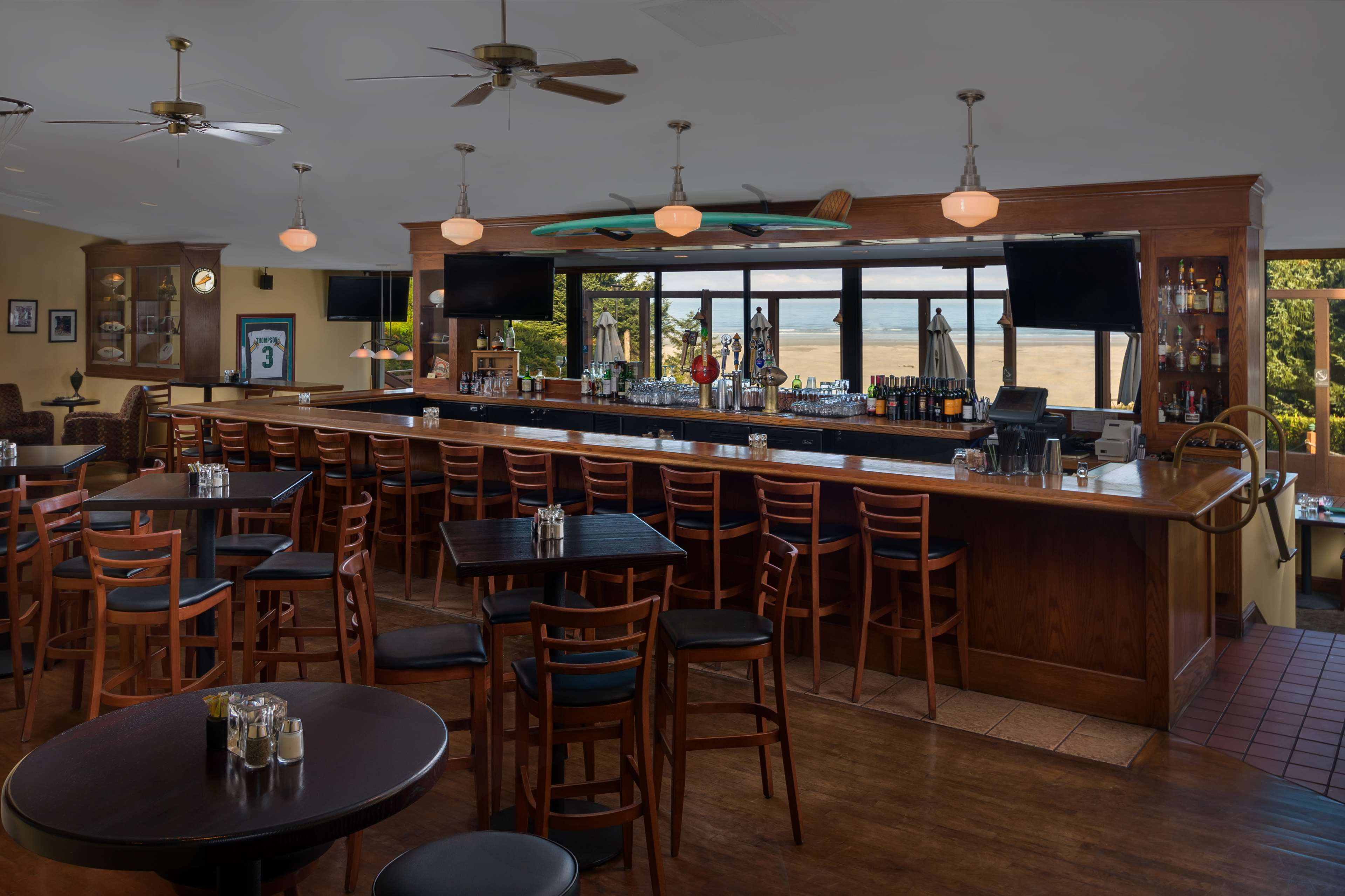 Best Western Agate Beach Inn image 21
