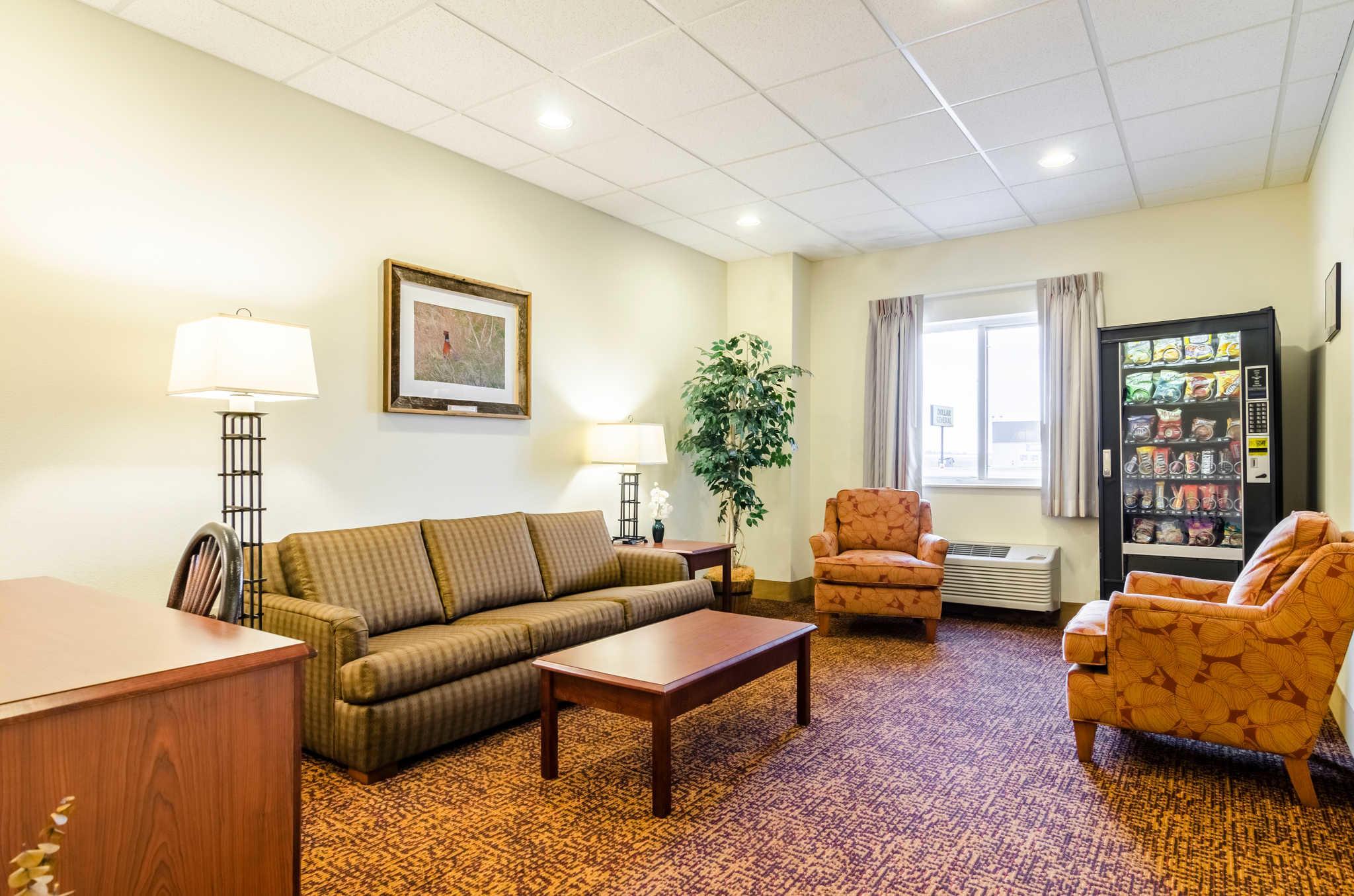 Rodeway Inn & Suites image 6