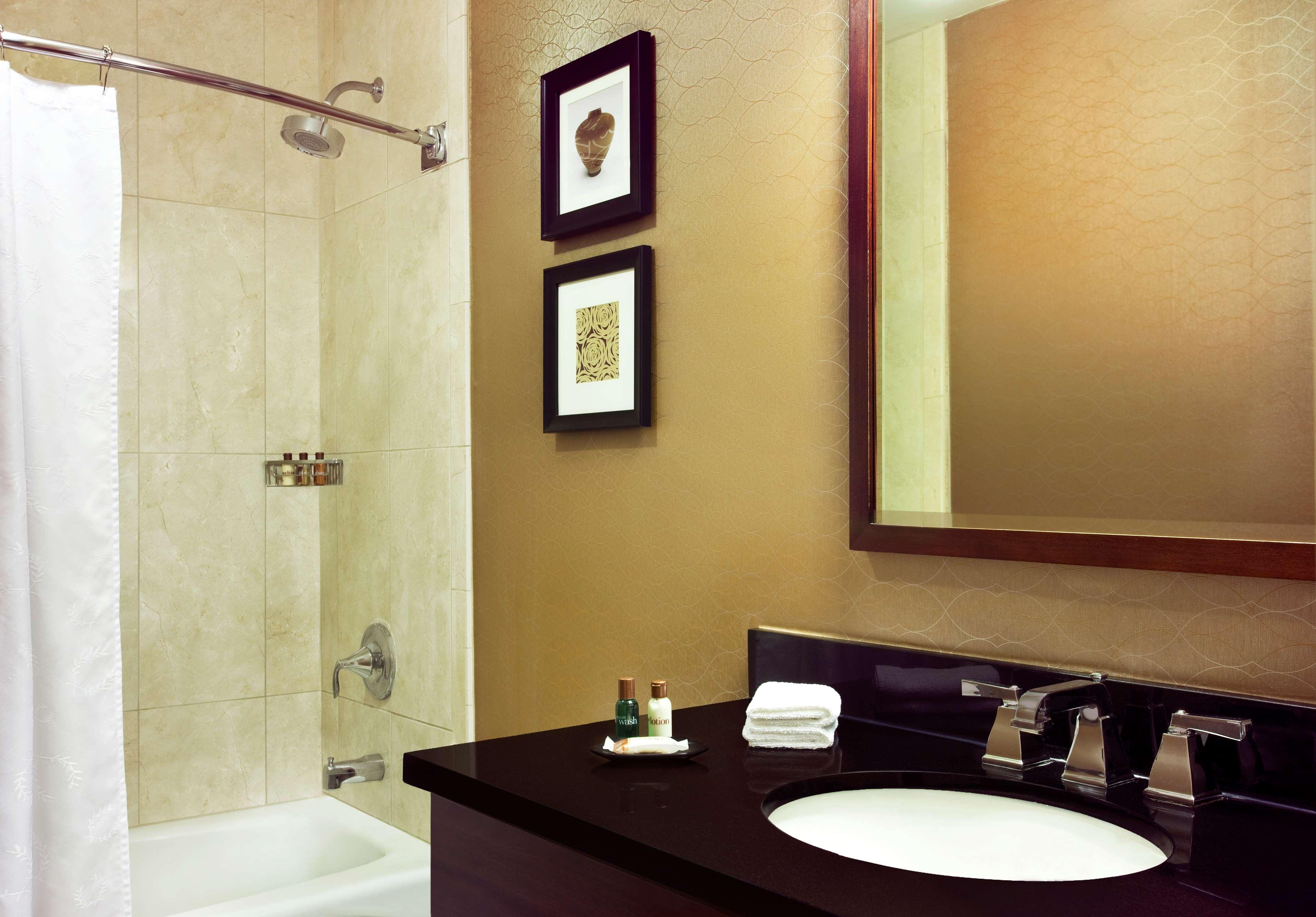 Sheraton Harrisburg Hershey Hotel image 7