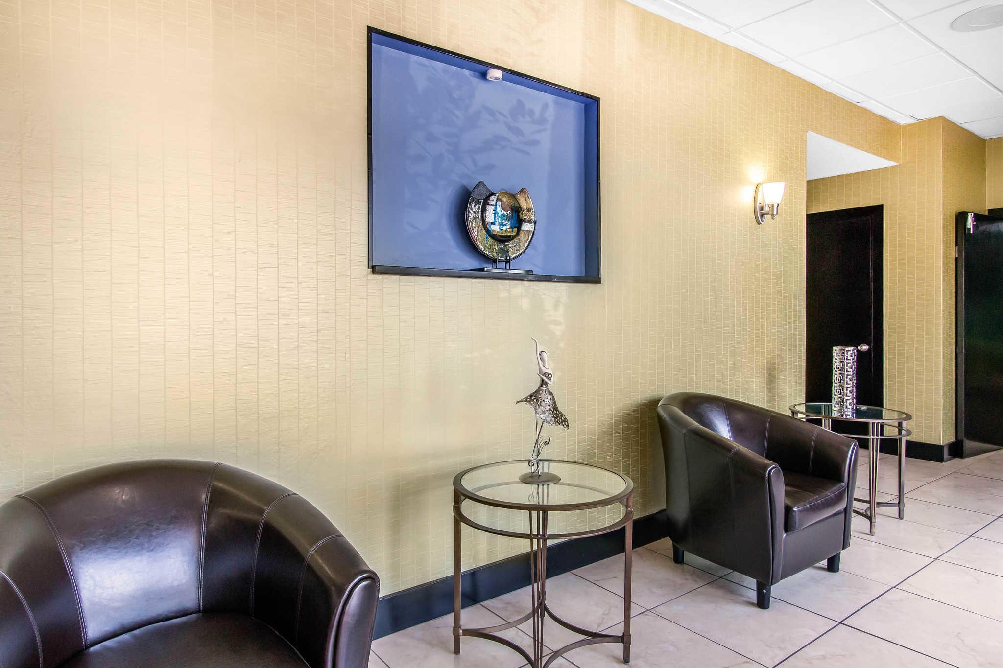Quality Inn Hinesville - Fort Stewart Area image 6