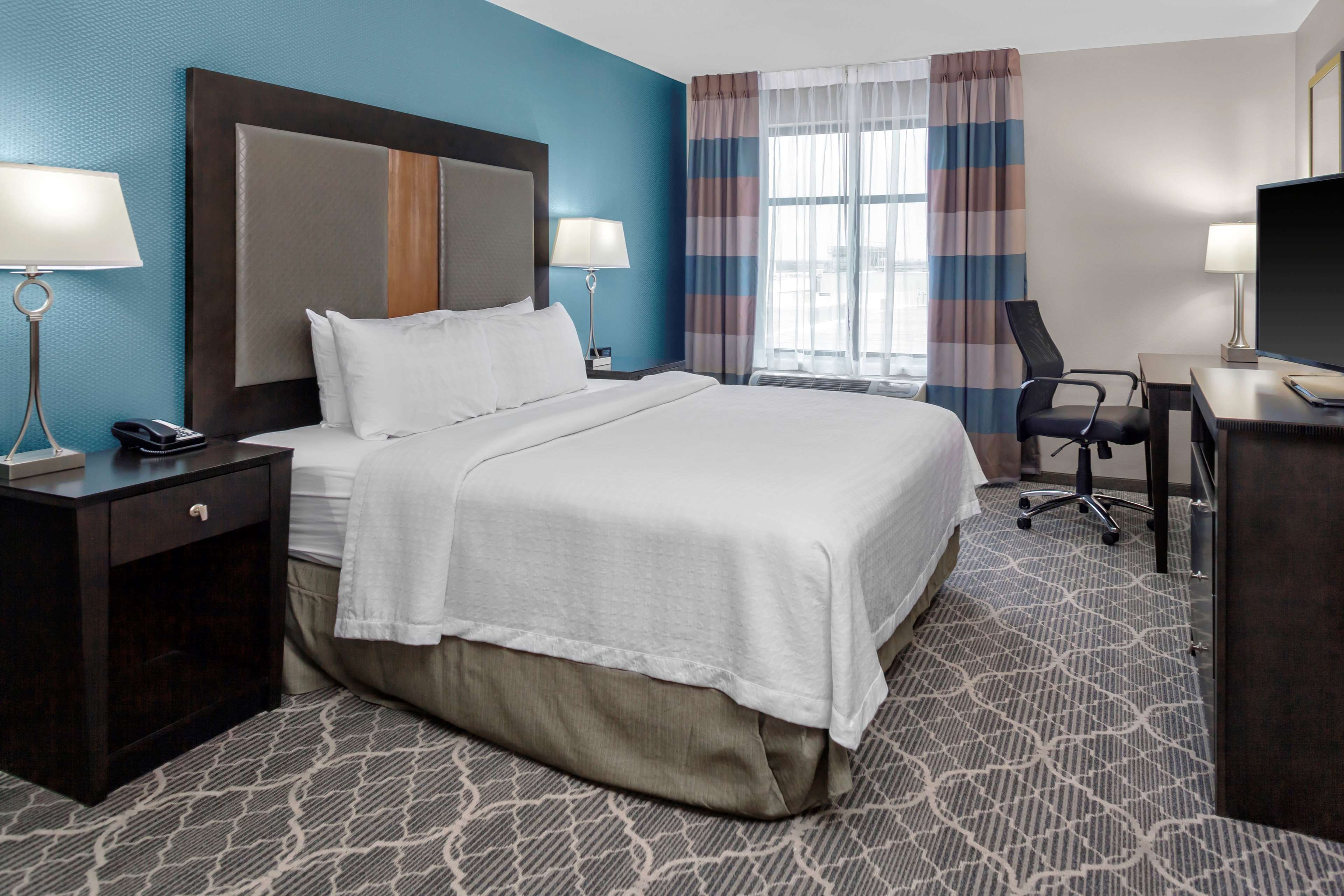 Homewood Suites by Hilton Wauwatosa Milwaukee image 14