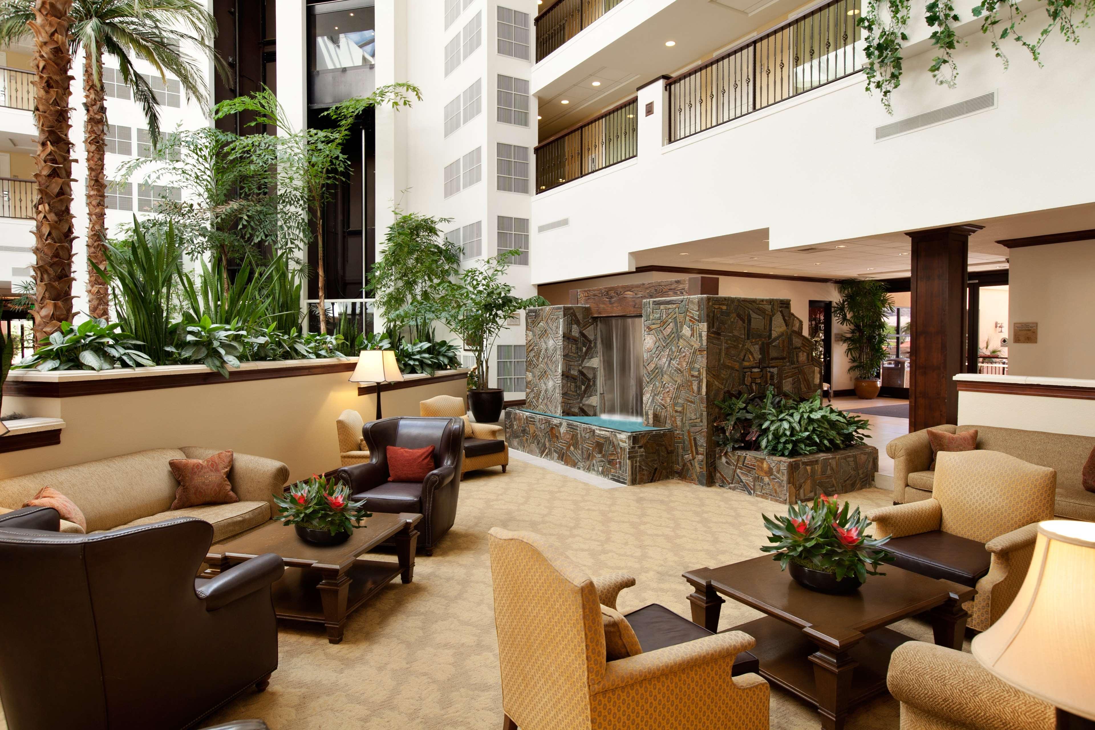 Embassy Suites by Hilton La Quinta Hotel & Spa image 7