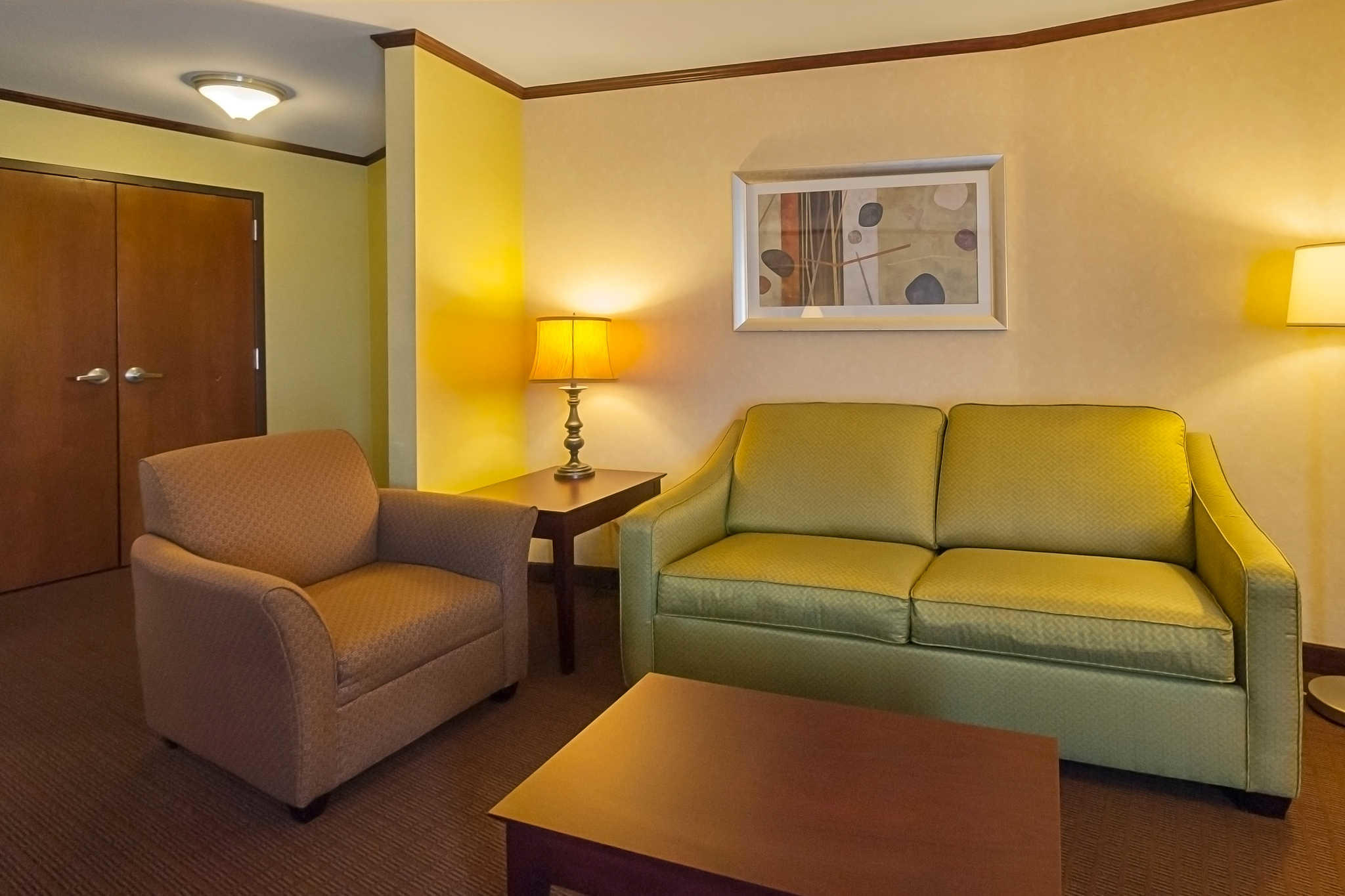 Comfort Suites Manhattan image 20