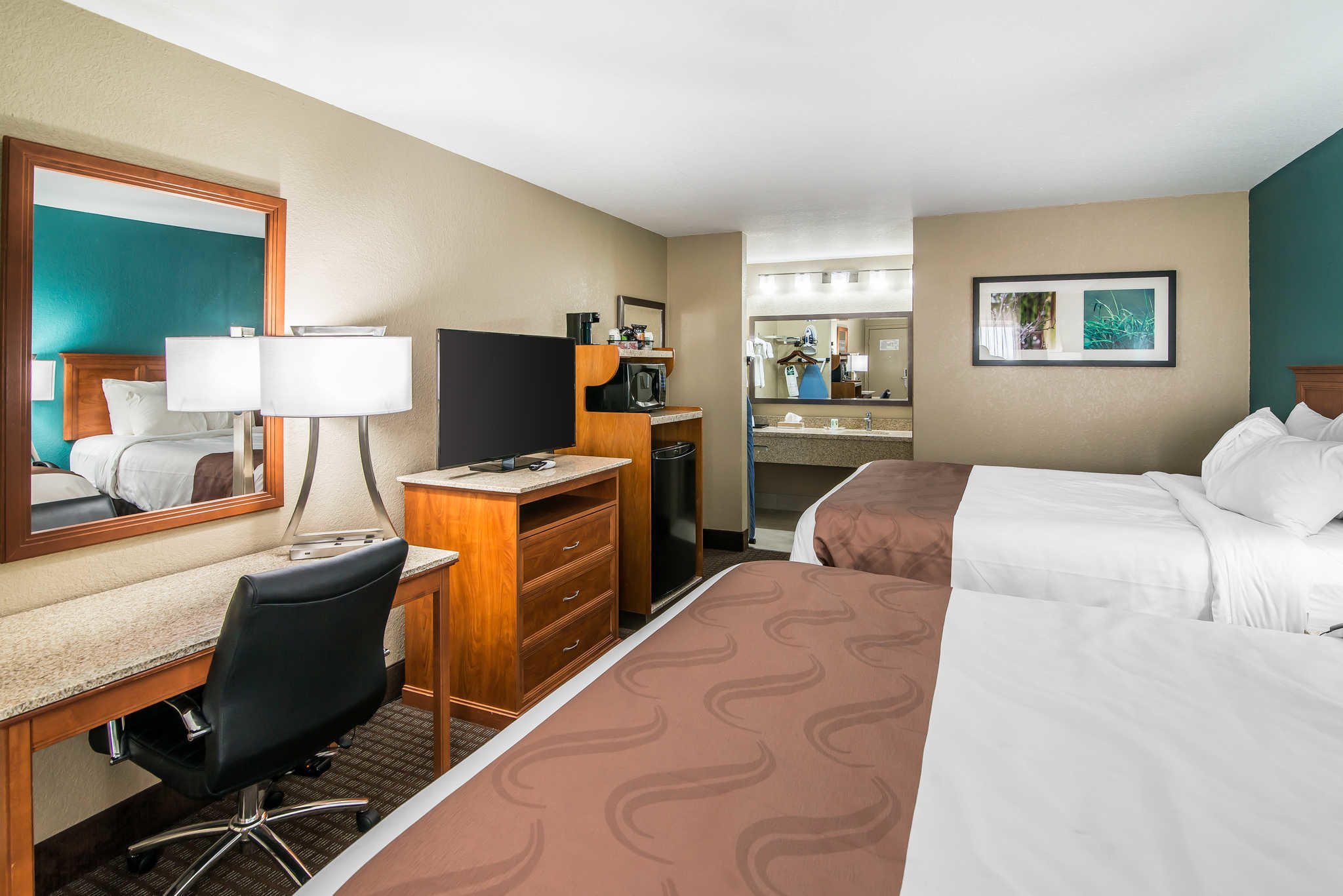 Quality Inn & Suites Near White Sands National Monument image 14