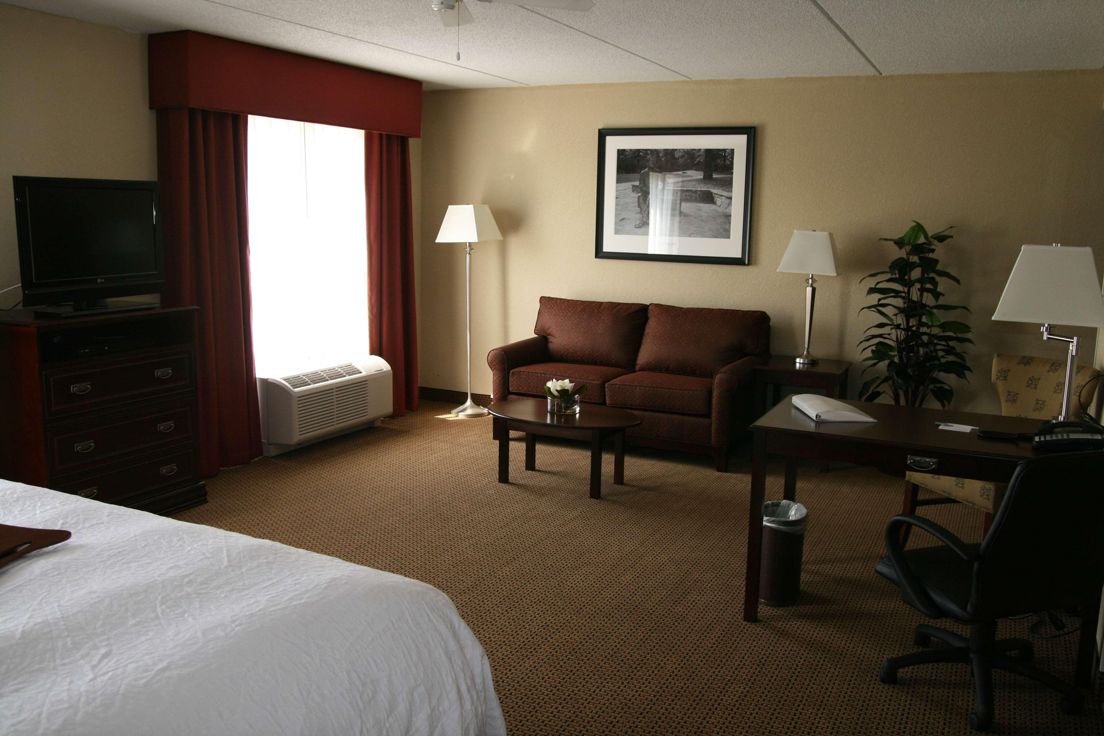 Hampton Inn & Suites Lanett-West Point image 37