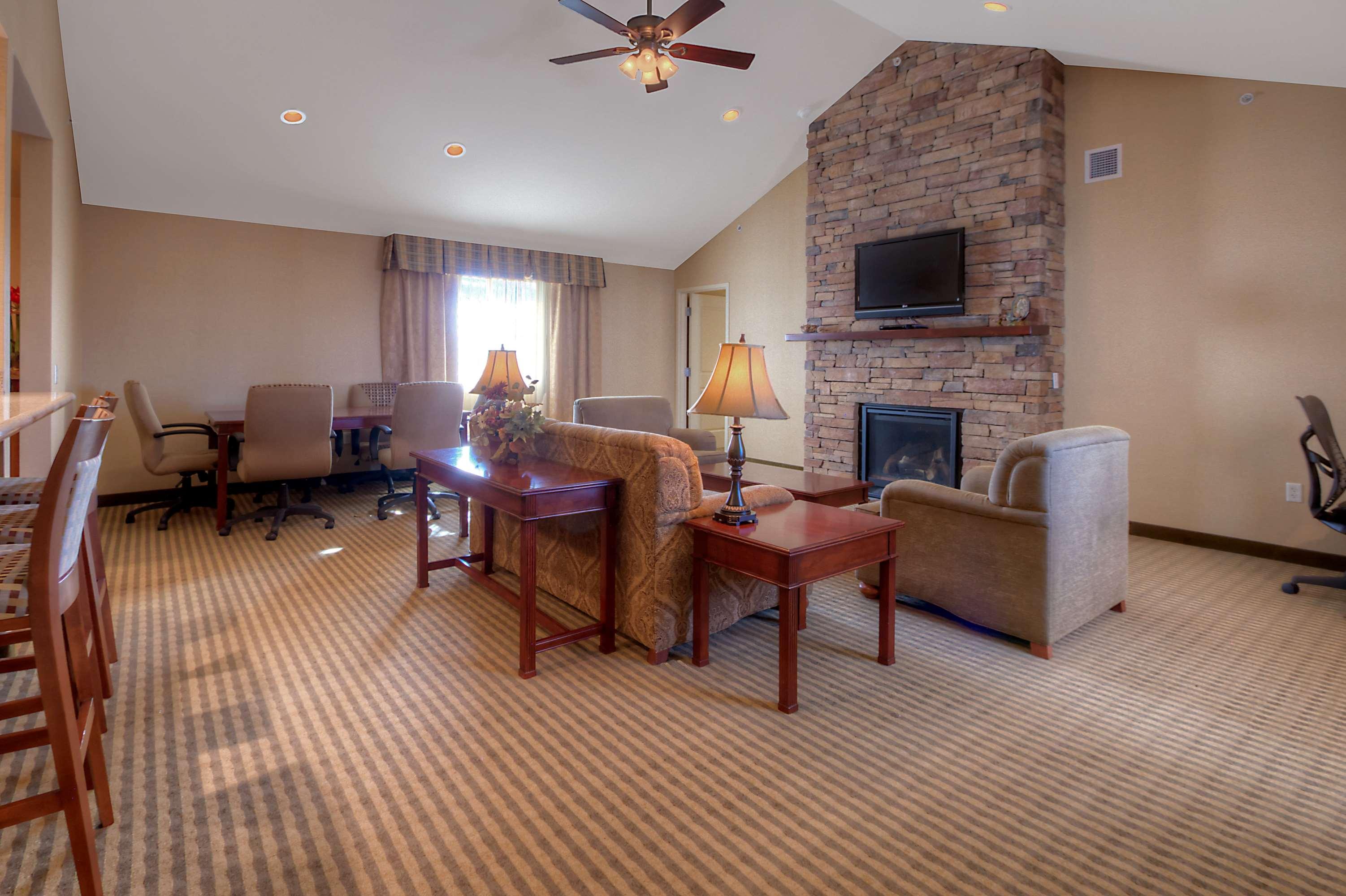 Hilton Garden Inn Great Falls image 20