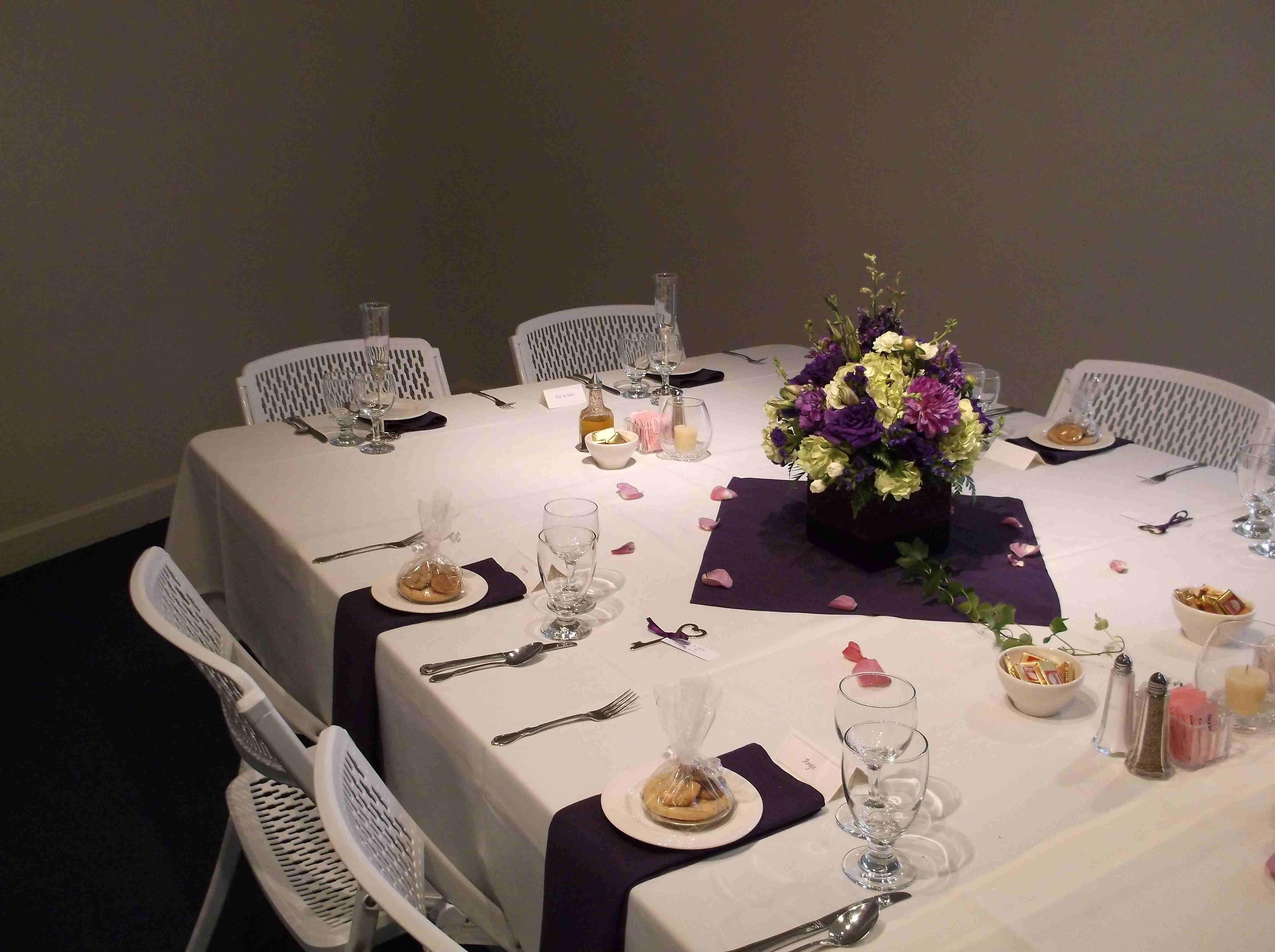 Chez Shari Banquet Facility image 35