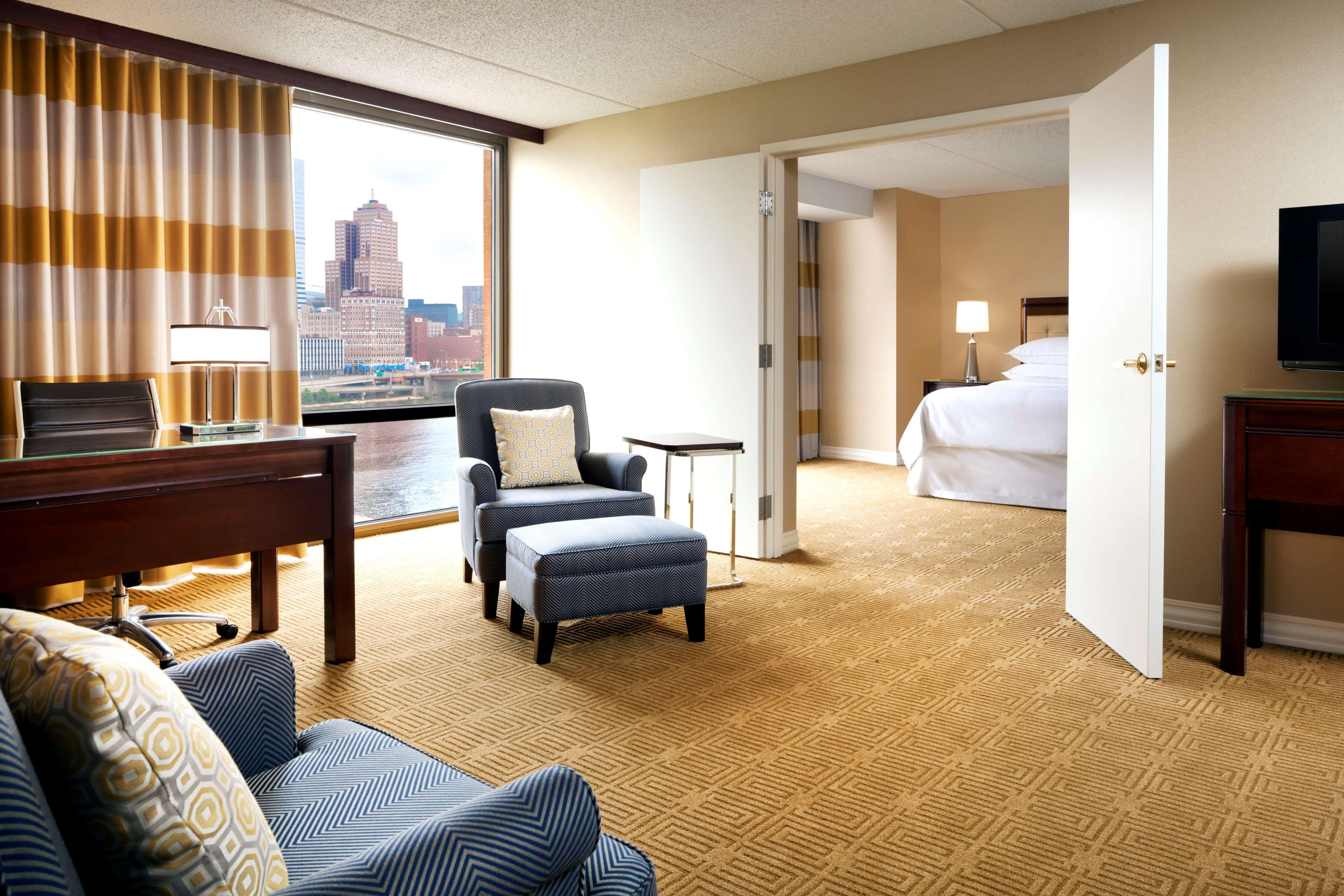 Sheraton Pittsburgh Hotel at Station Square image 15