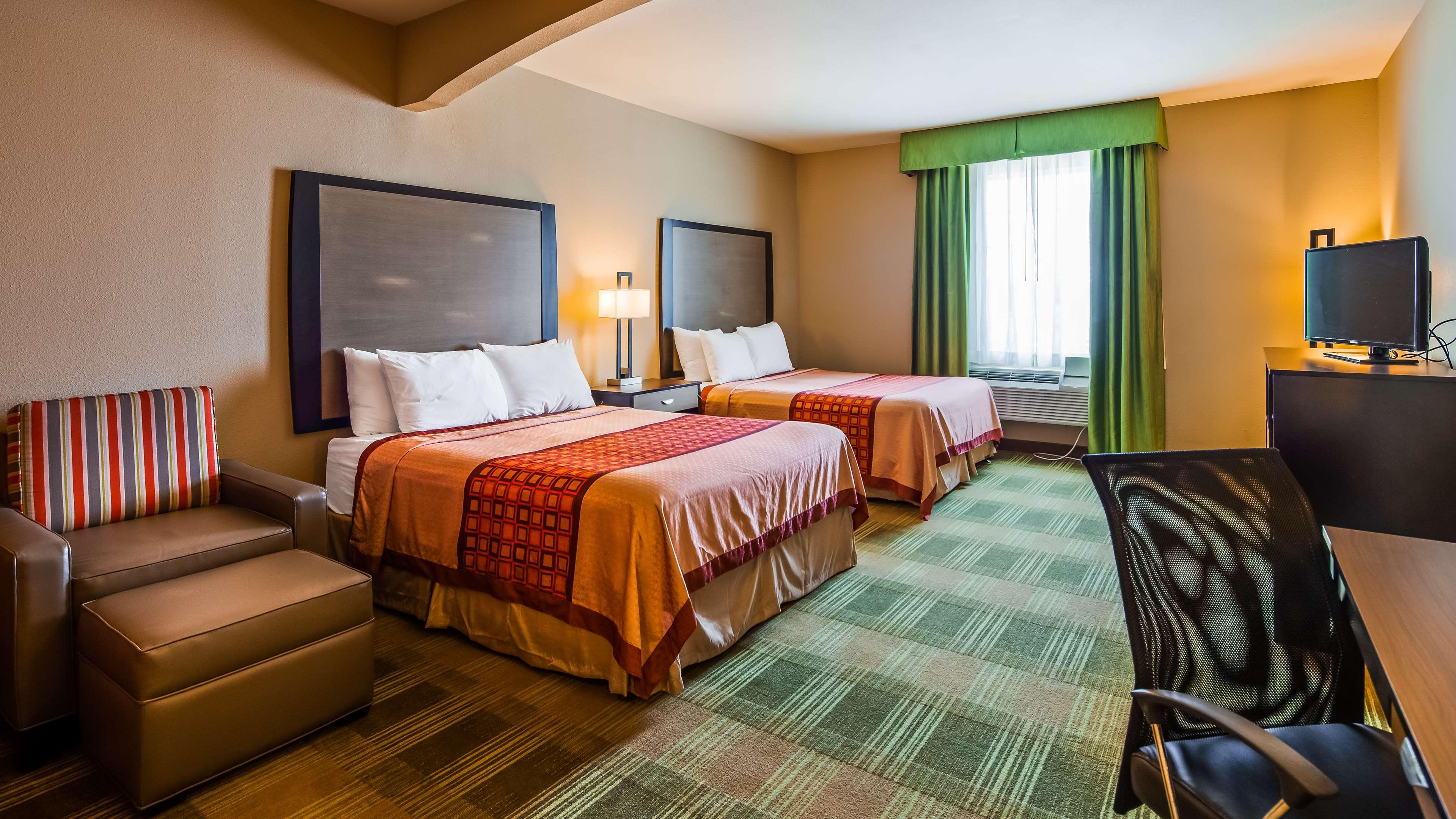 SureStay Hotel by Best Western Cotulla image 15