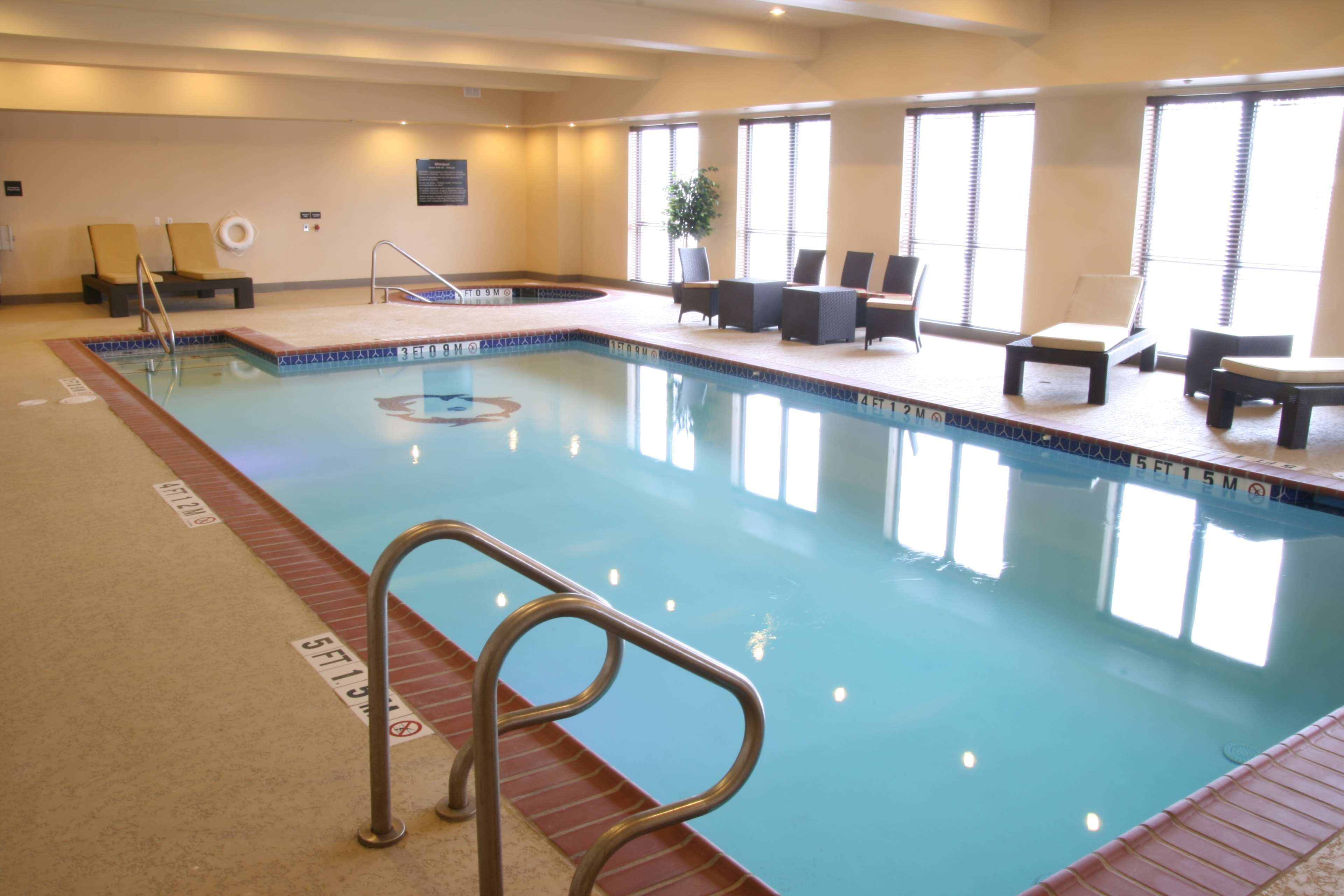 Hampton Inn & Suites Bastrop image 4