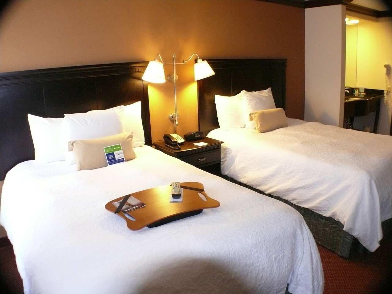 Hampton Inn & Suites Chicago/Hoffman Estates image 13