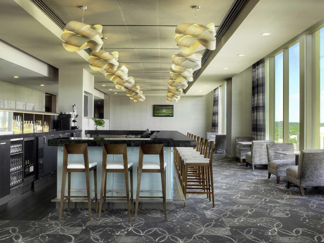 DoubleTree by Hilton Hotel Cedar Rapids Convention Complex image 25