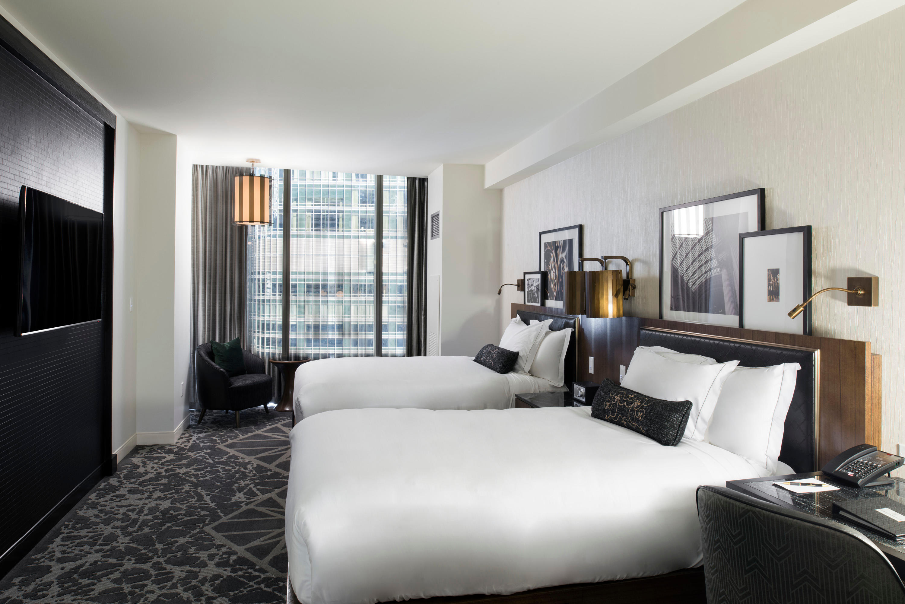 LondonHouse Chicago, Curio Collection by Hilton image 10