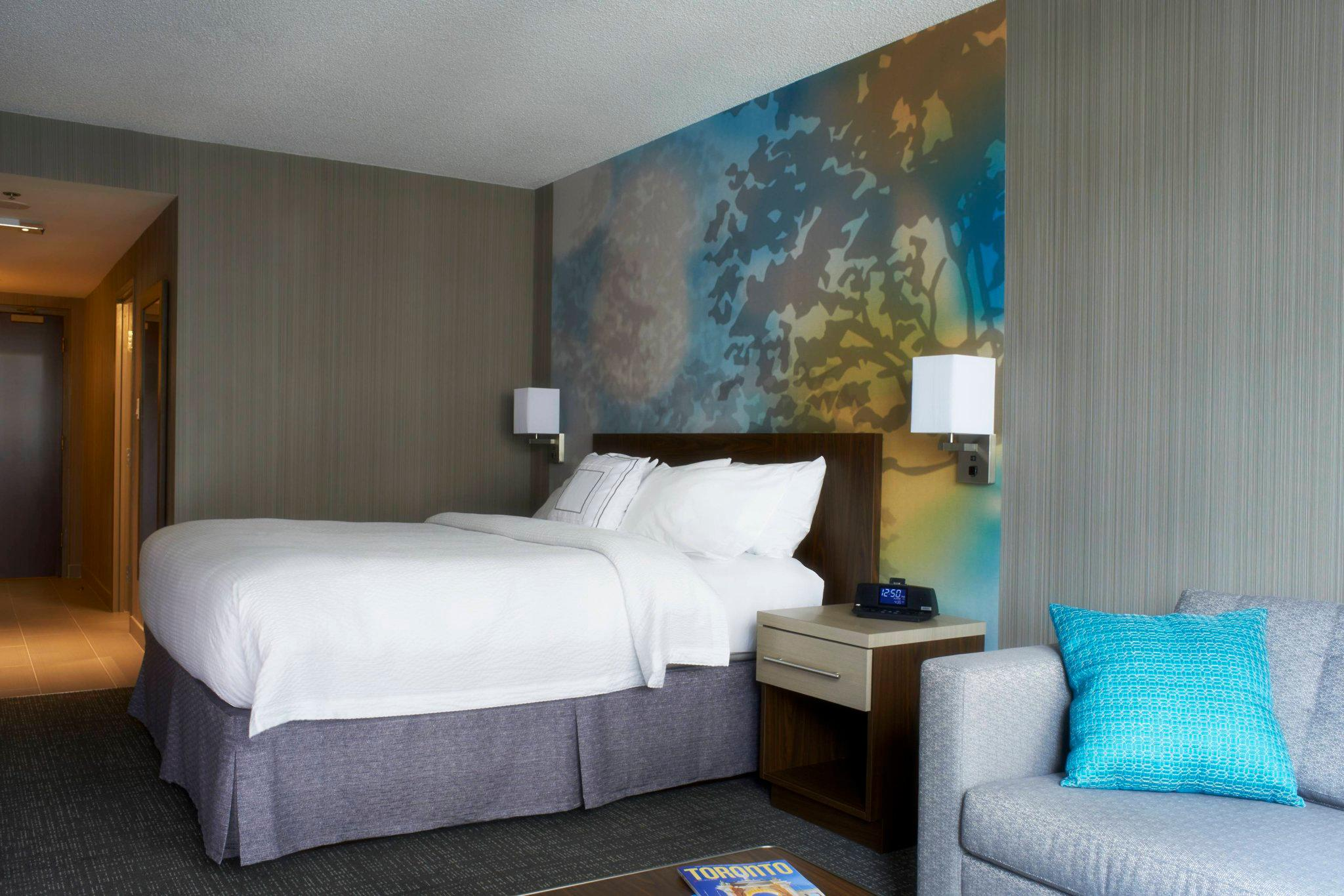 Courtyard by Marriott Toronto Downtown