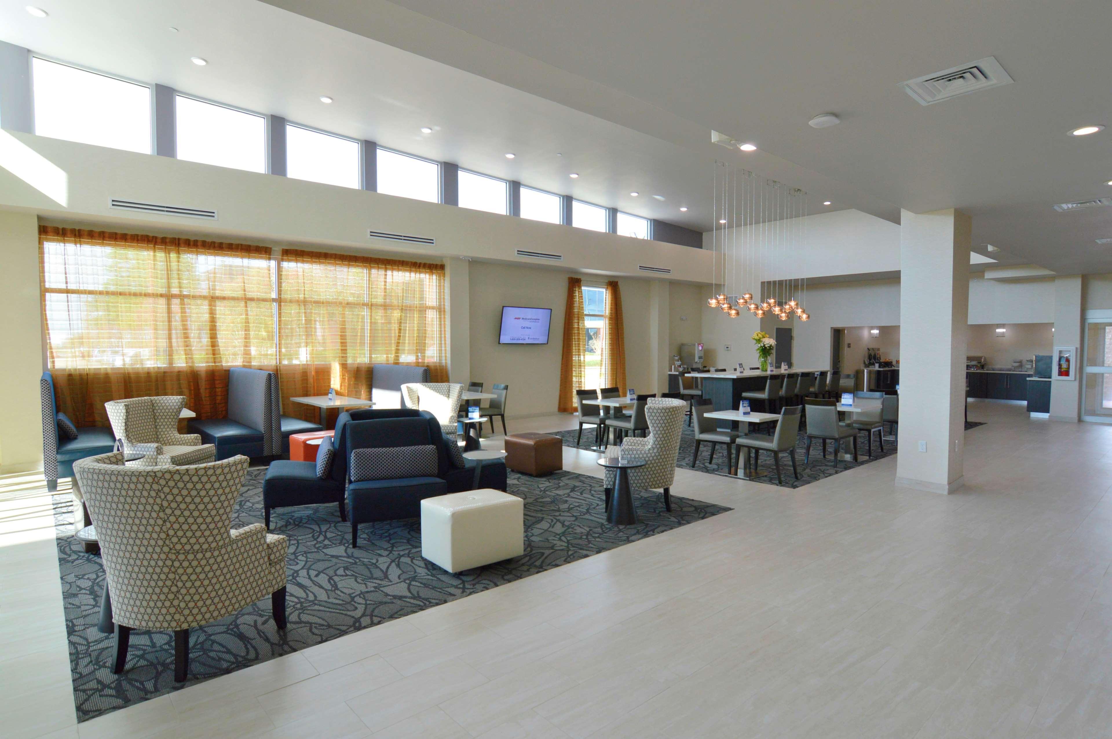 Executive Residency by Best Western Baytown image 6