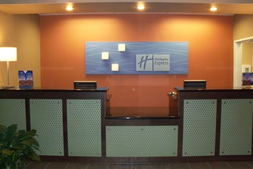 Holiday Inn Express & Suites Lexington image 2