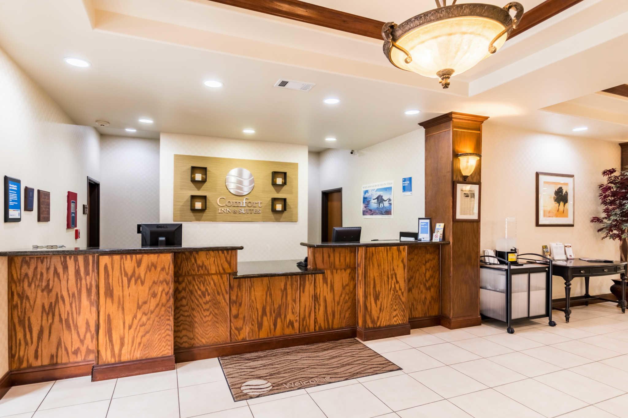 Comfort Inn & Suites near Comanche Peak image 2