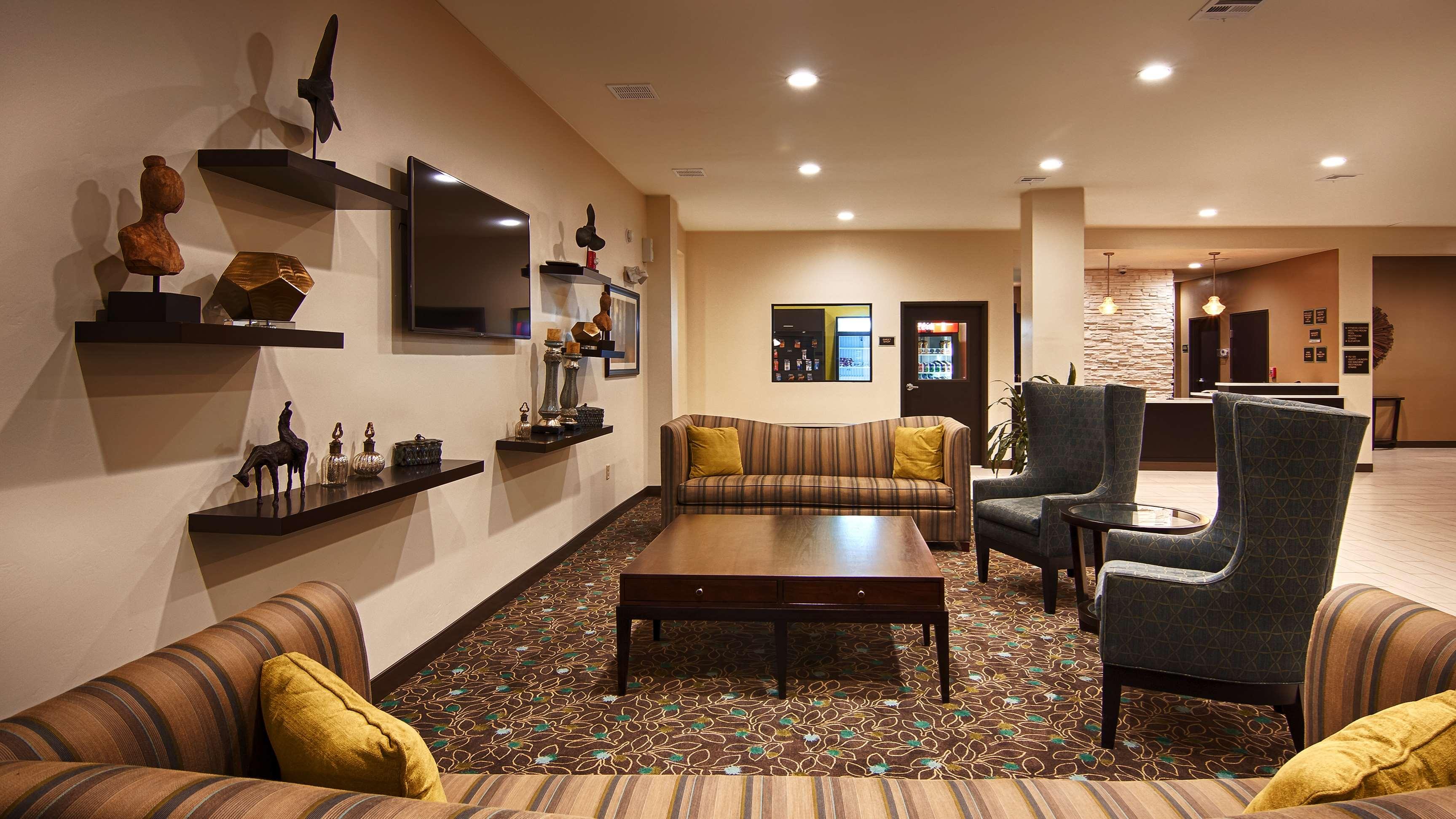 Best Western Lindsay Inn & Suites image 5