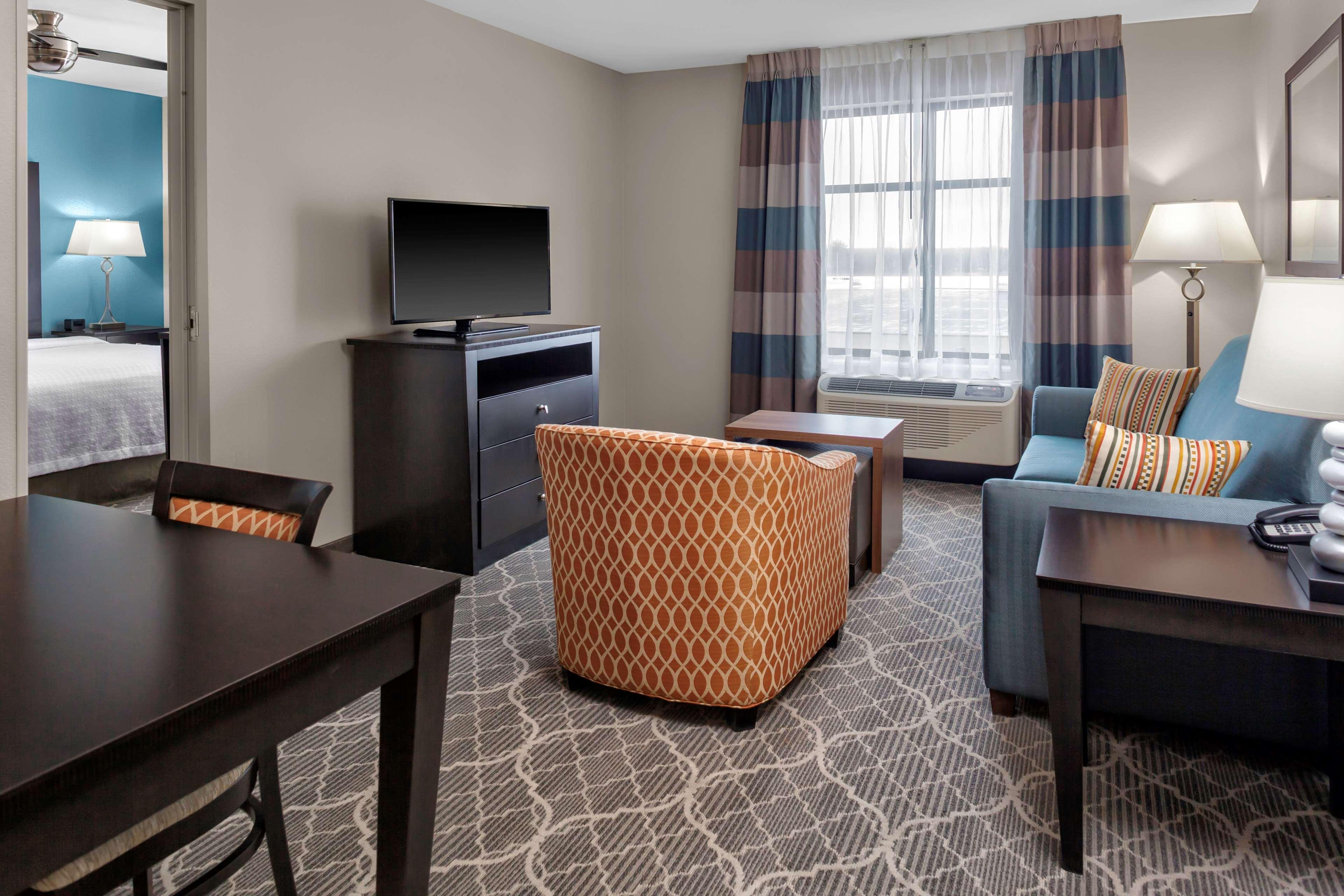Homewood Suites by Hilton Wauwatosa Milwaukee image 20