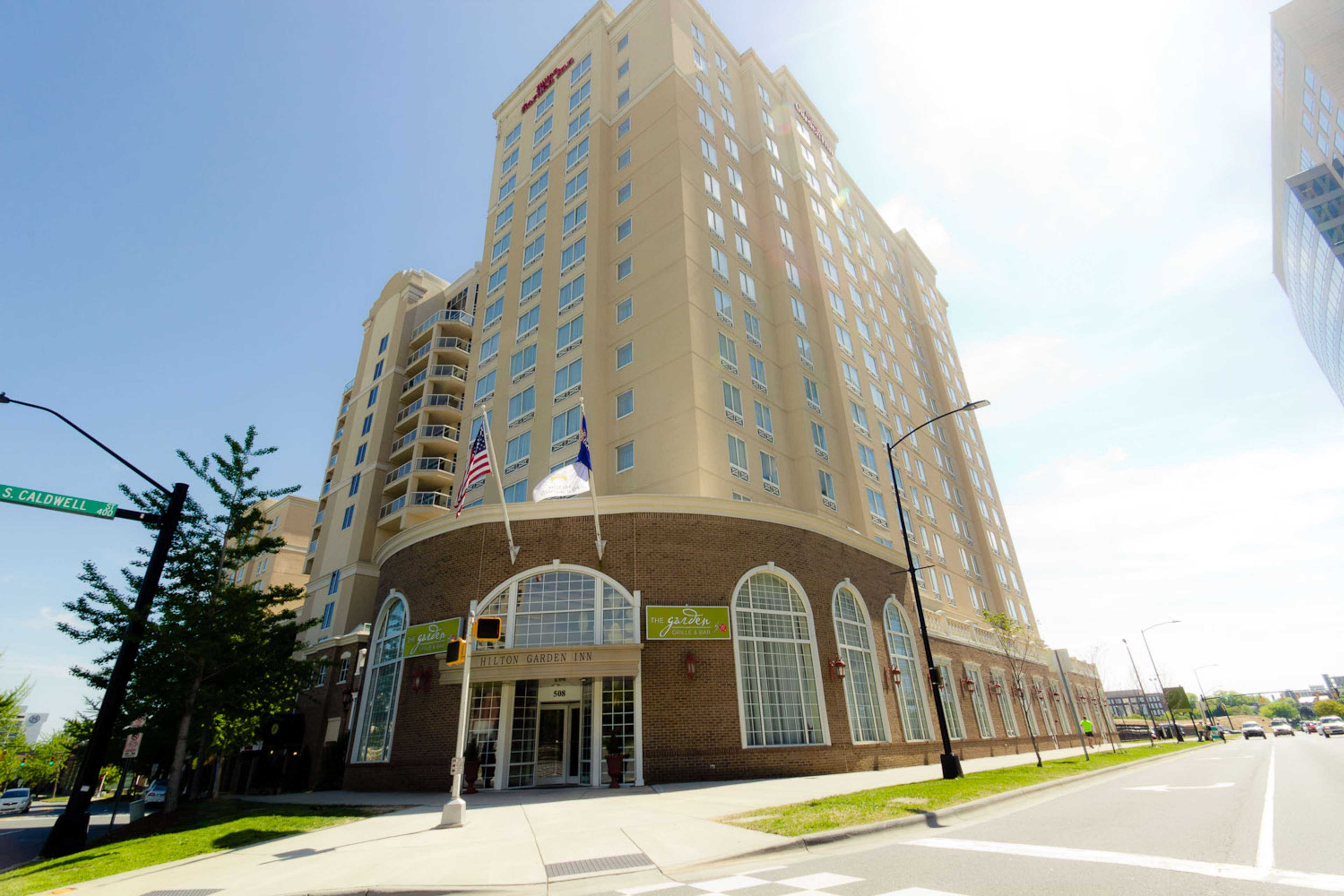 Hilton Garden Inn Charlotte Uptown image 1