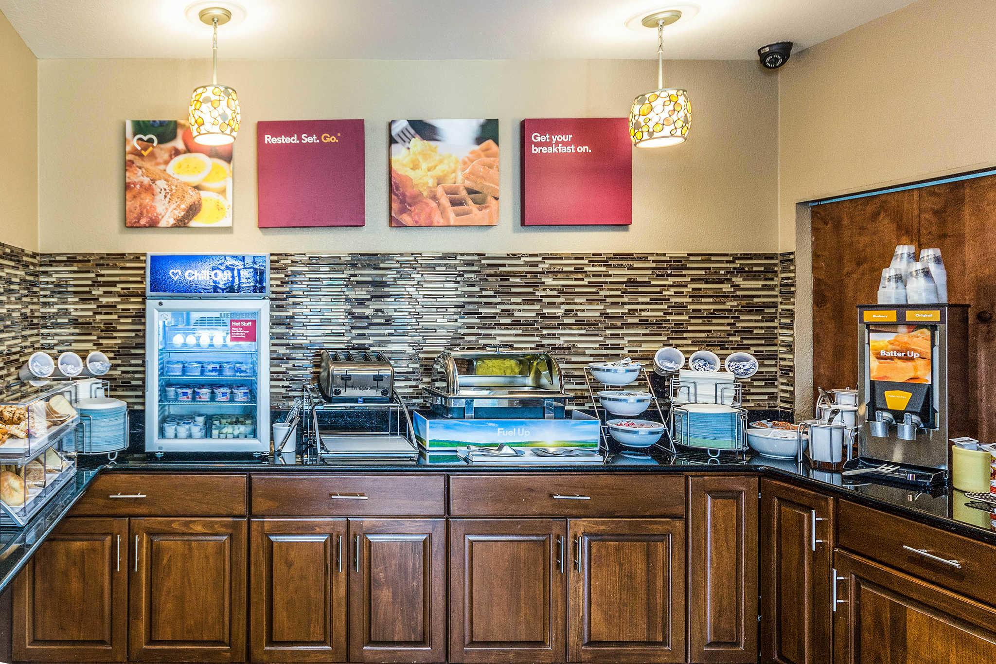 Comfort Inn & Suites North Aurora - Naperville image 32