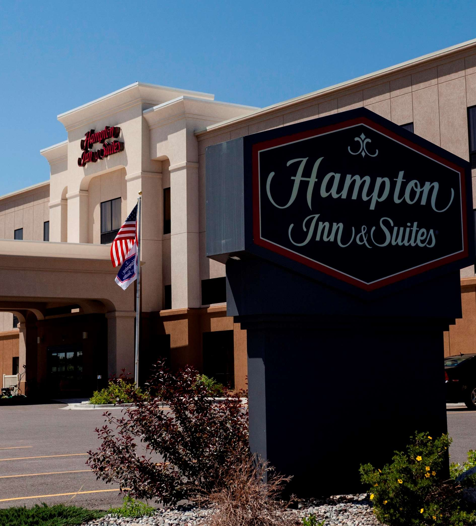 Hampton Inn & Suites Riverton image 24