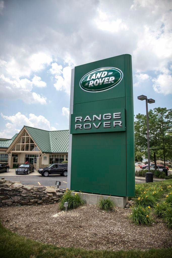 Land Rover Hoffman Estates image 0