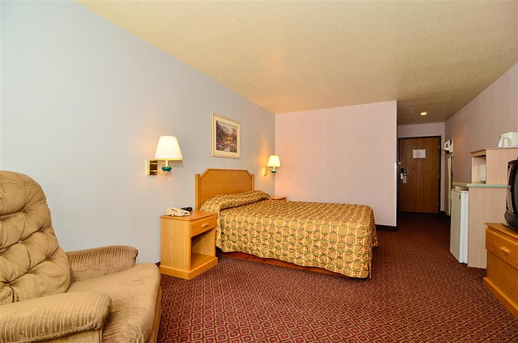 Americas Best Value Inn & Suites McCall image 11