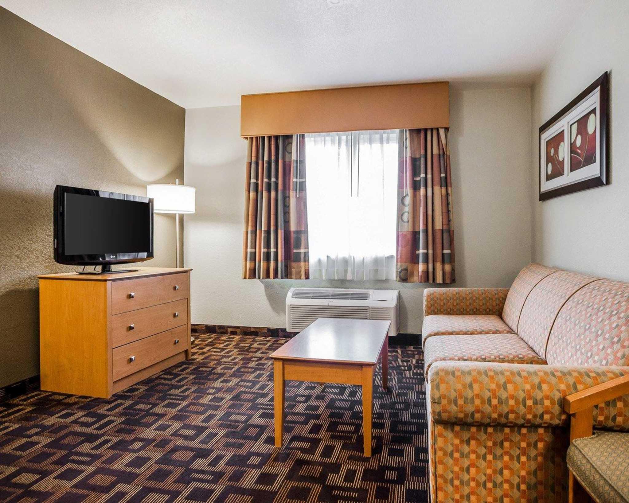 Quality Inn & Suites Des Moines Airport image 28