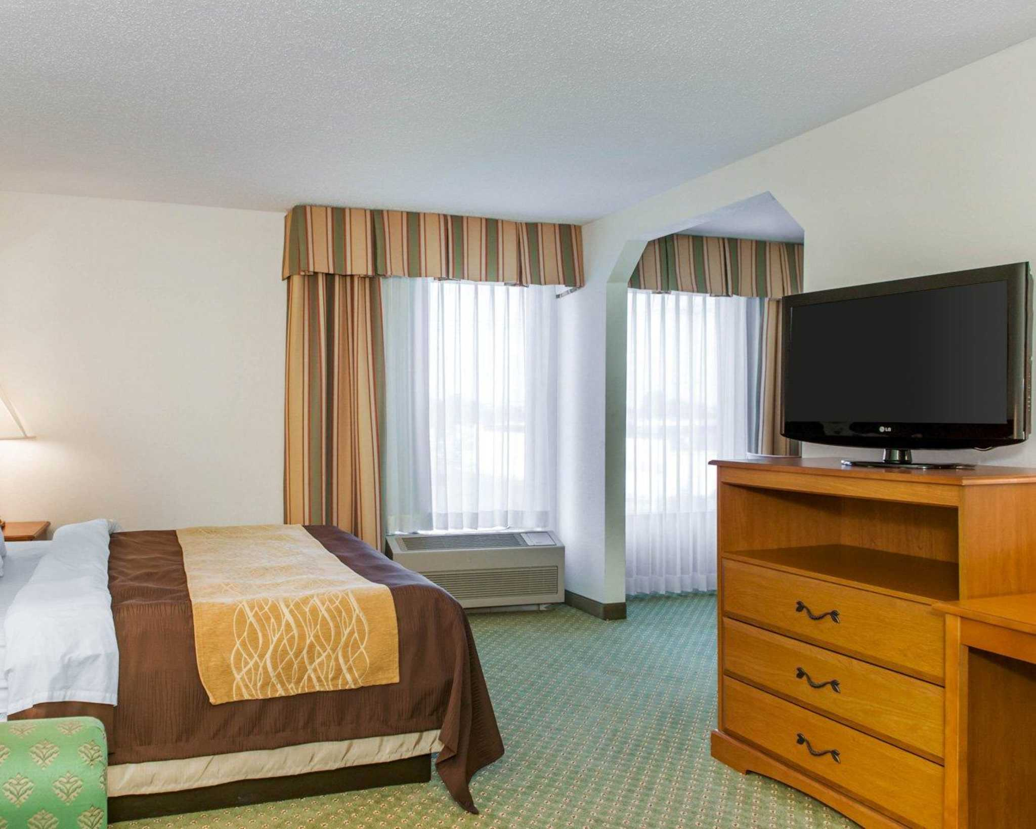 Quality Inn image 14