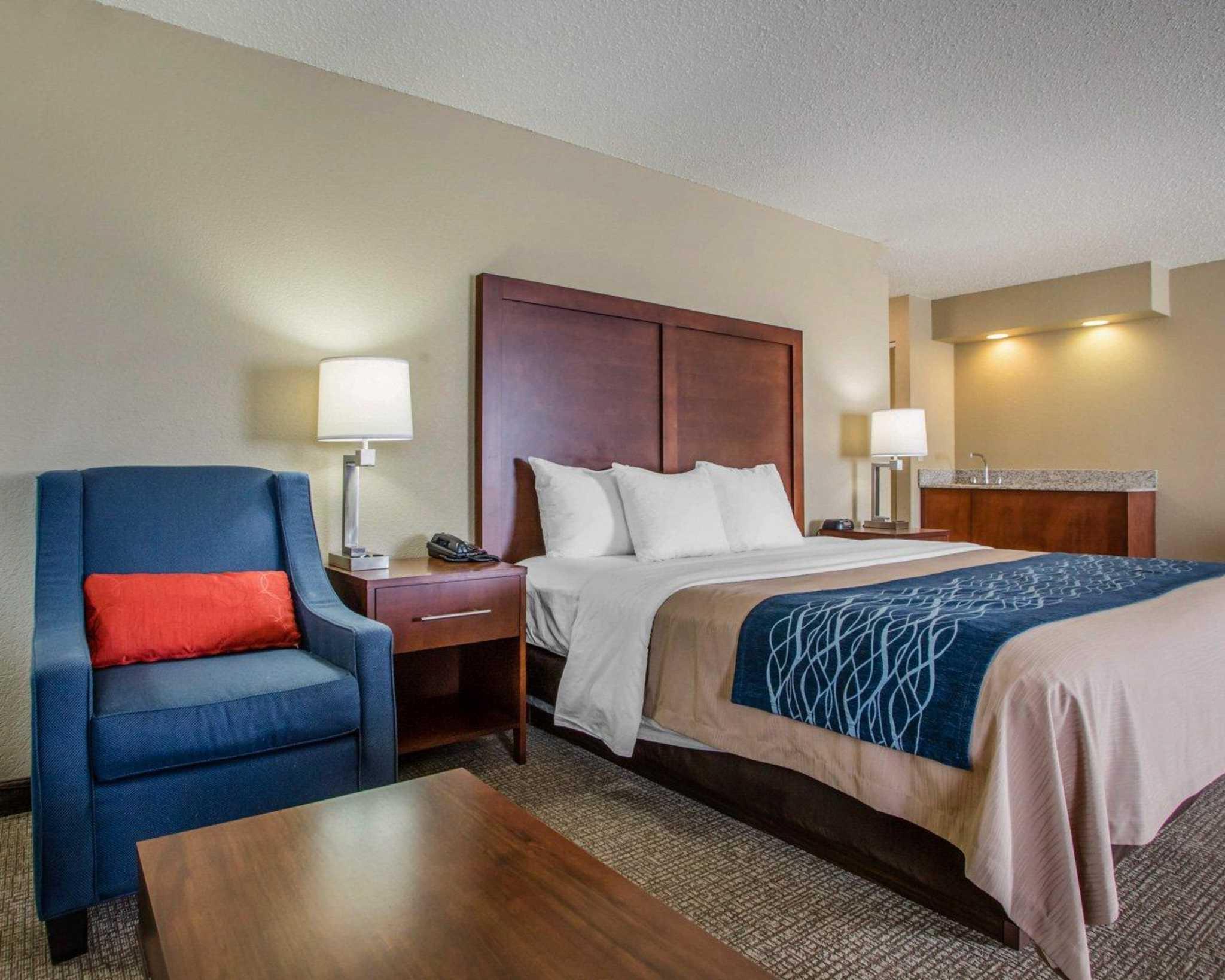 Comfort Inn & Suites Jackson - West Bend image 10