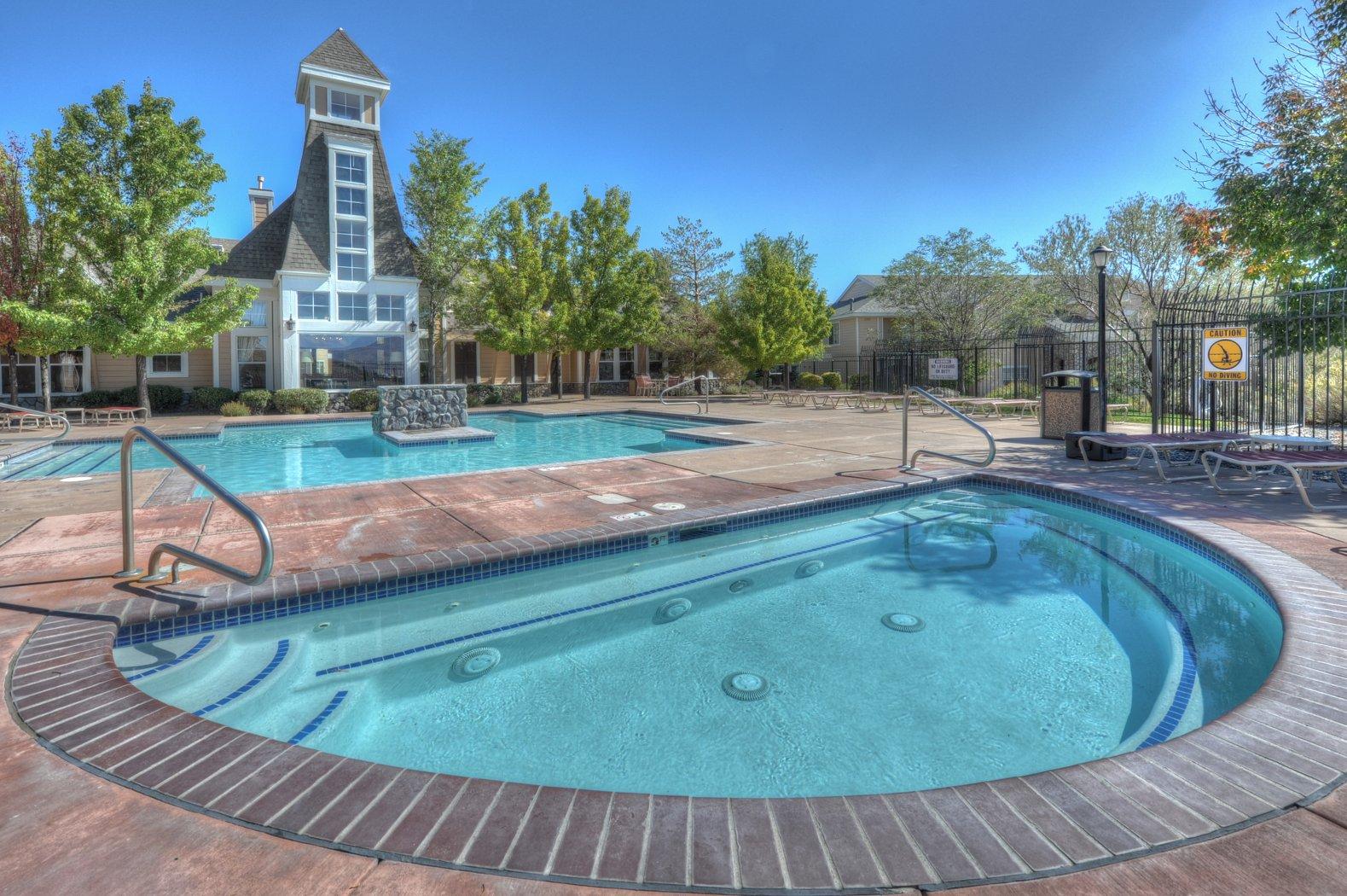 Heated Swimming Poo & Year-Round, Resort-Style Spa