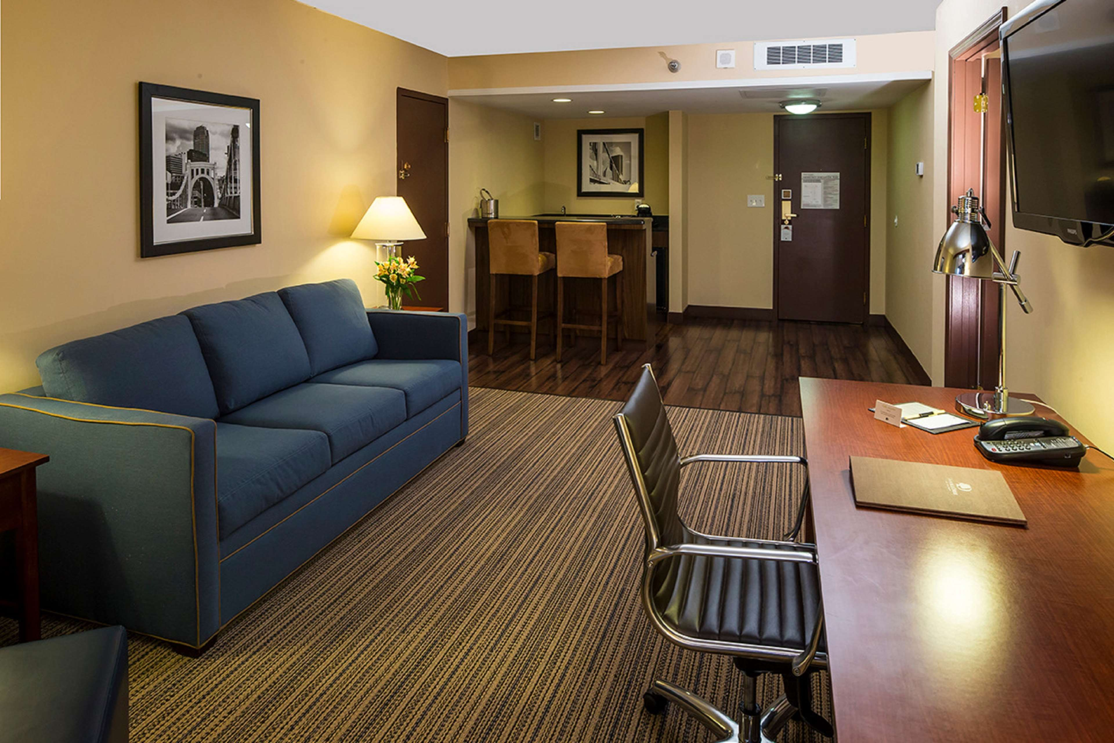 DoubleTree by Hilton Hotel Pittsburgh - Cranberry image 26