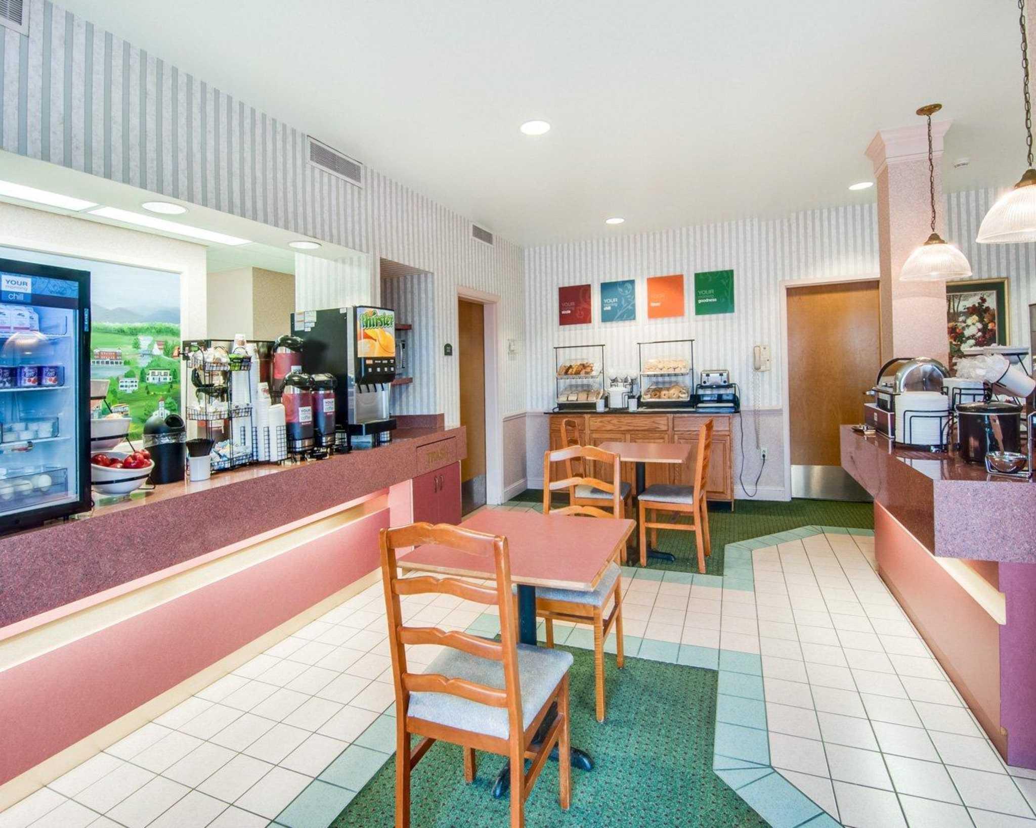 Comfort Inn Airport image 23