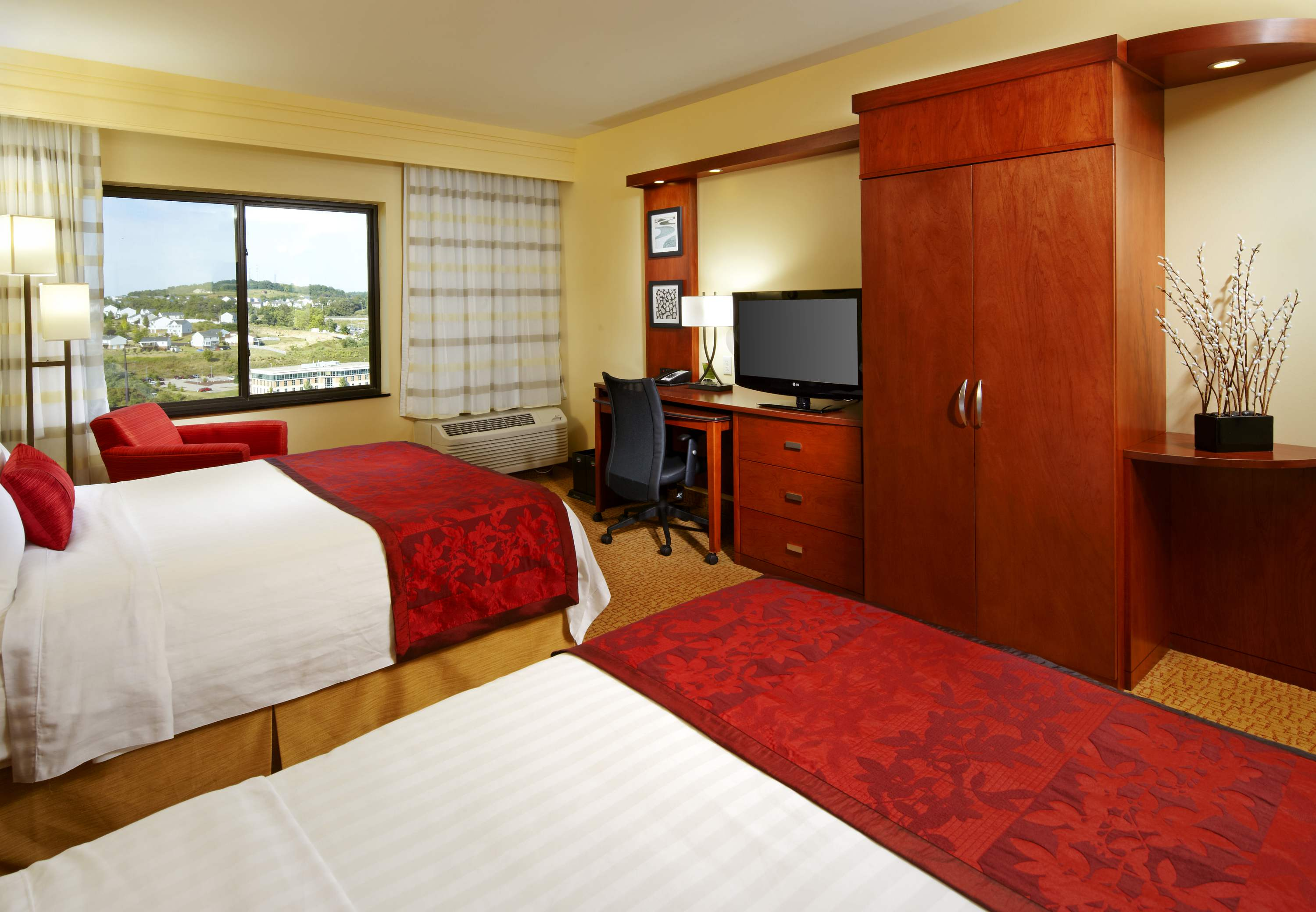 Courtyard by Marriott Pittsburgh Washington/Meadow Lands image 12