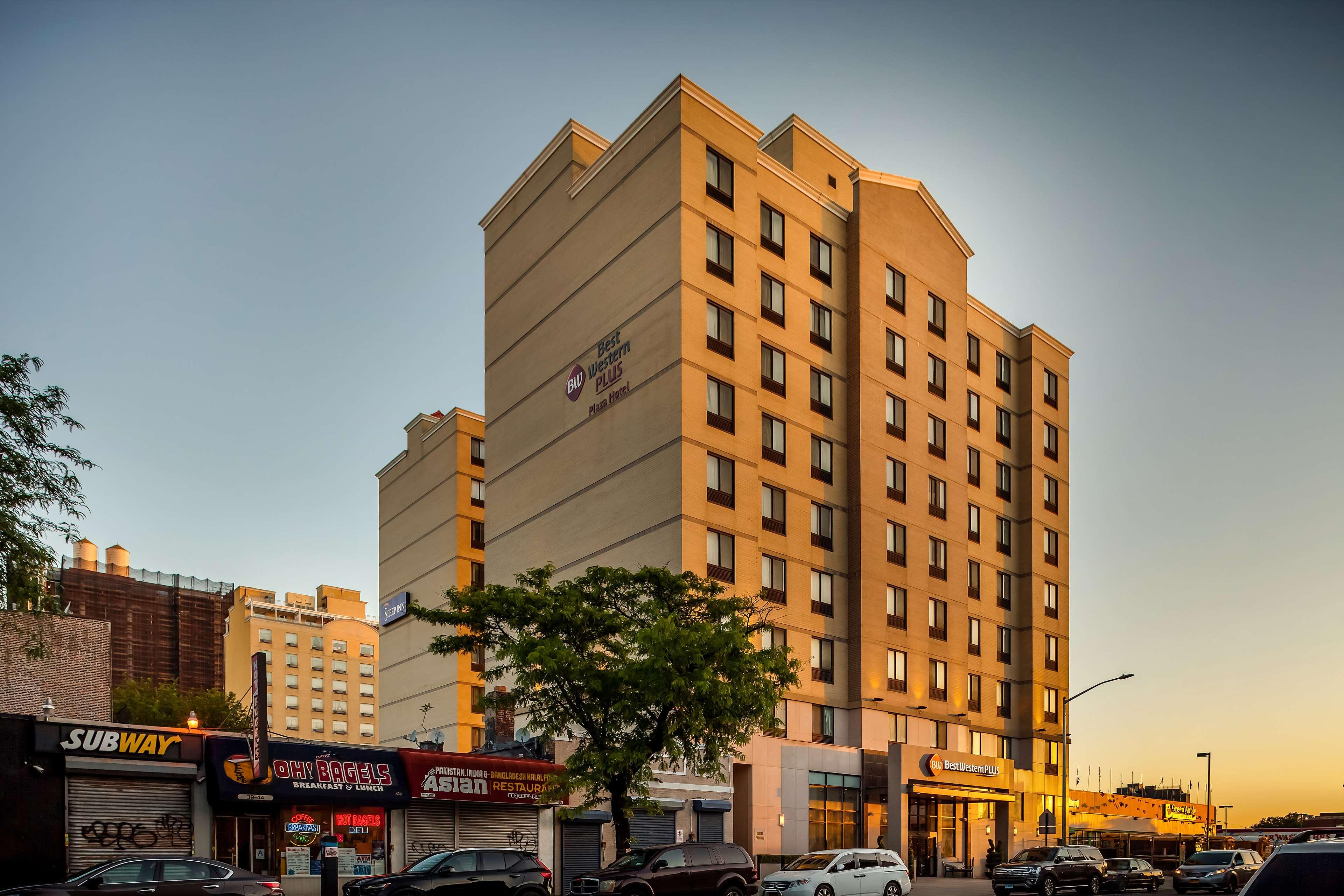 Best Western Plus Plaza Hotel image 0
