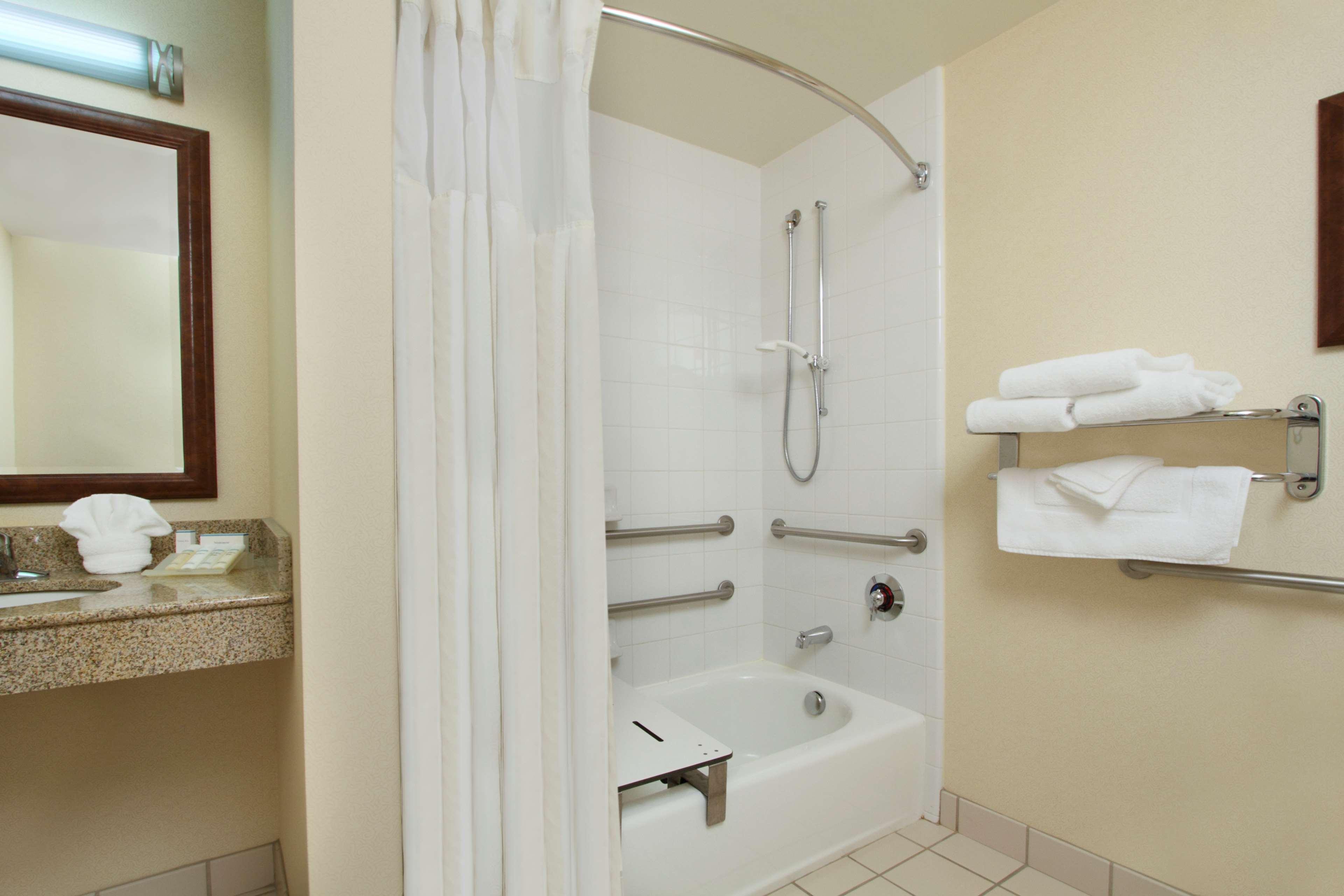 Hilton Garden Inn Columbus-University Area image 20