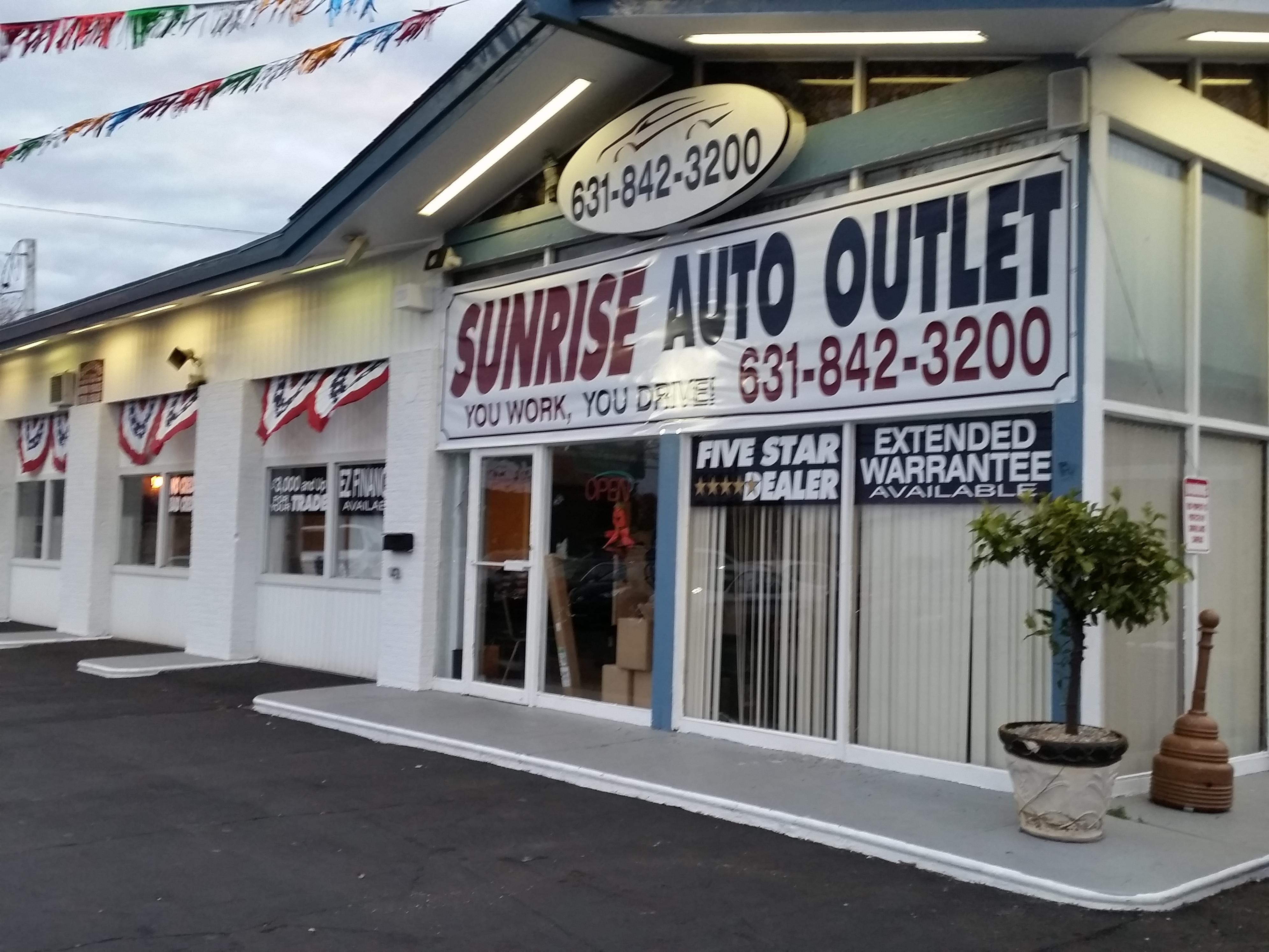 Sunrise auto outlet at 189 sunrise highway amityville ny for Mercedes benz of massapequa amityville ny