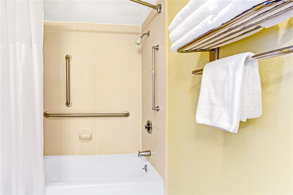 Baymont Inn & Suites Kissimmee image 11