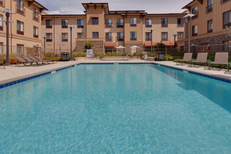 Hampton Inn & Suites Windsor - Sonoma Wine Country image 1