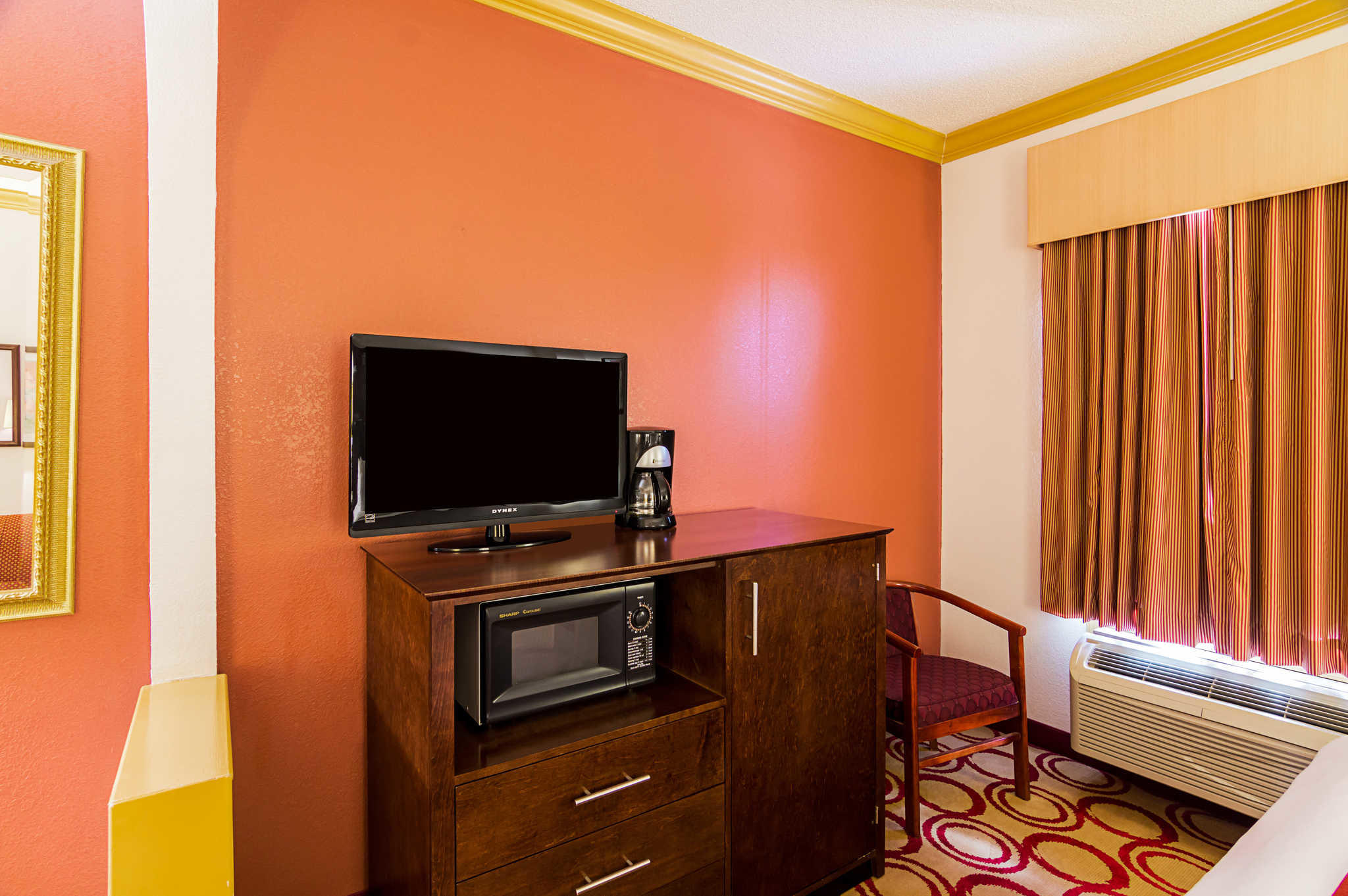 Comfort Suites image 32