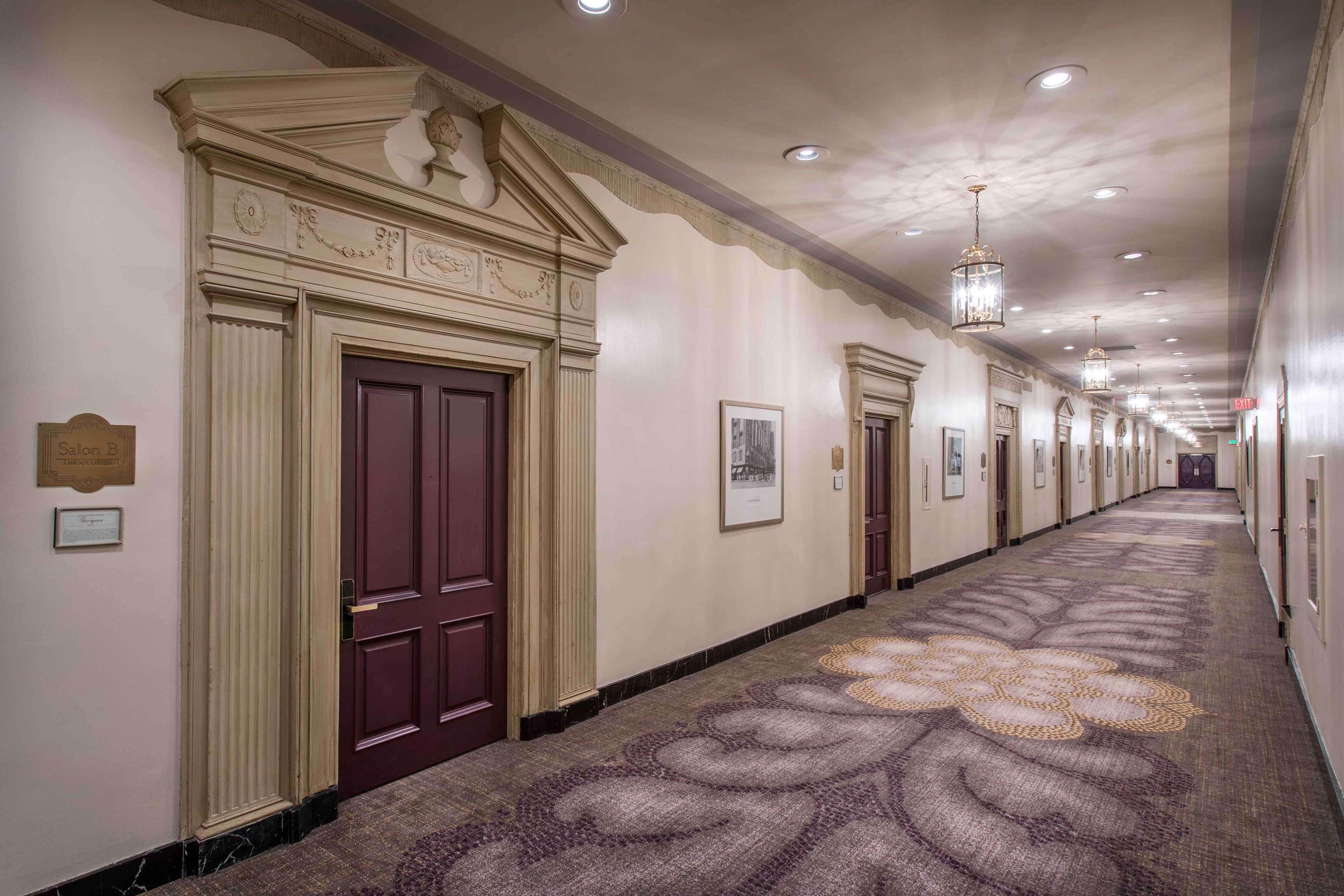 Hilton Cincinnati Netherland Plaza image 34