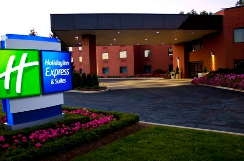 Holiday Inn Express & Suites Mentor (Lamalfa Conf Centre) image 0