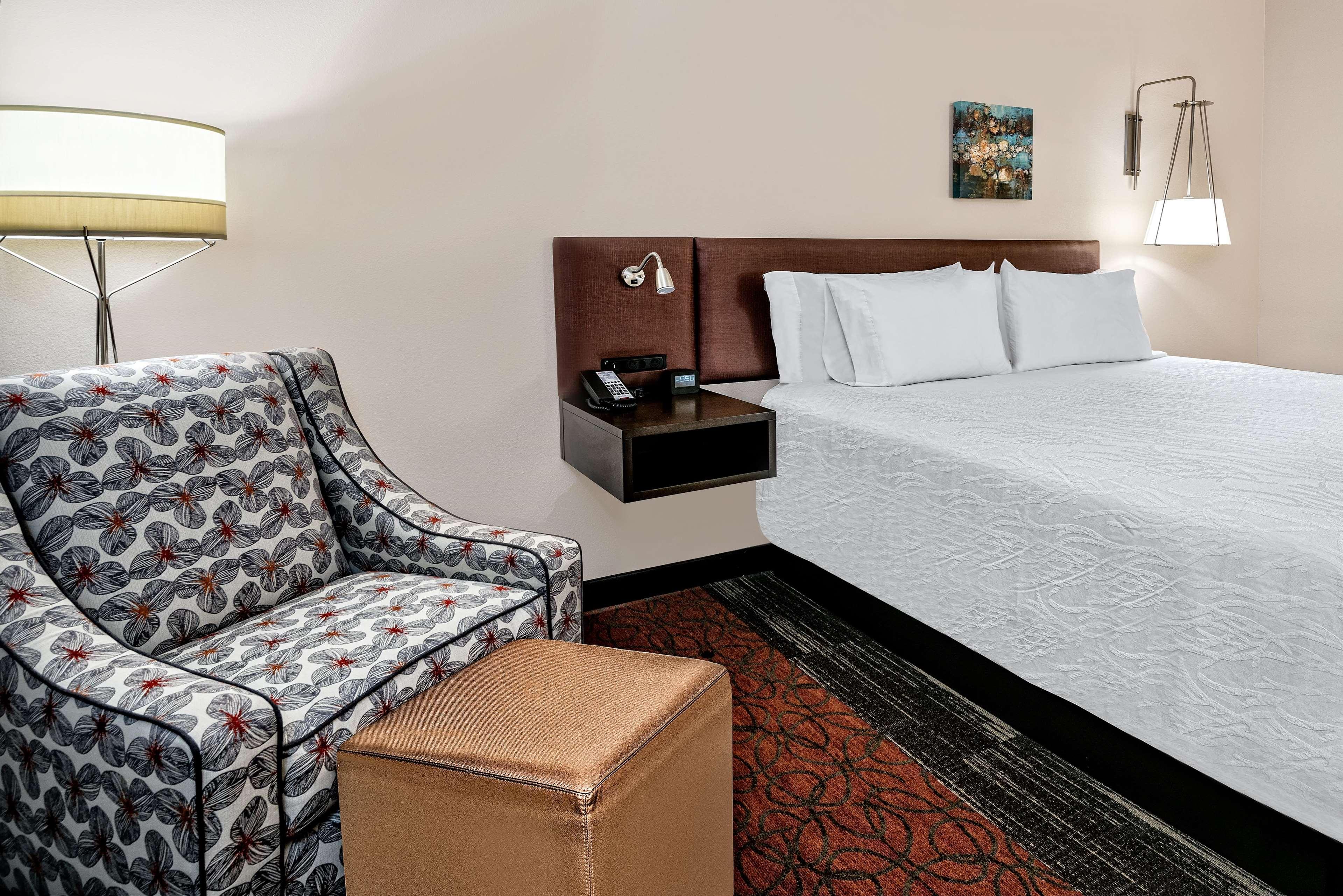 Hilton Garden Inn San Marcos image 3