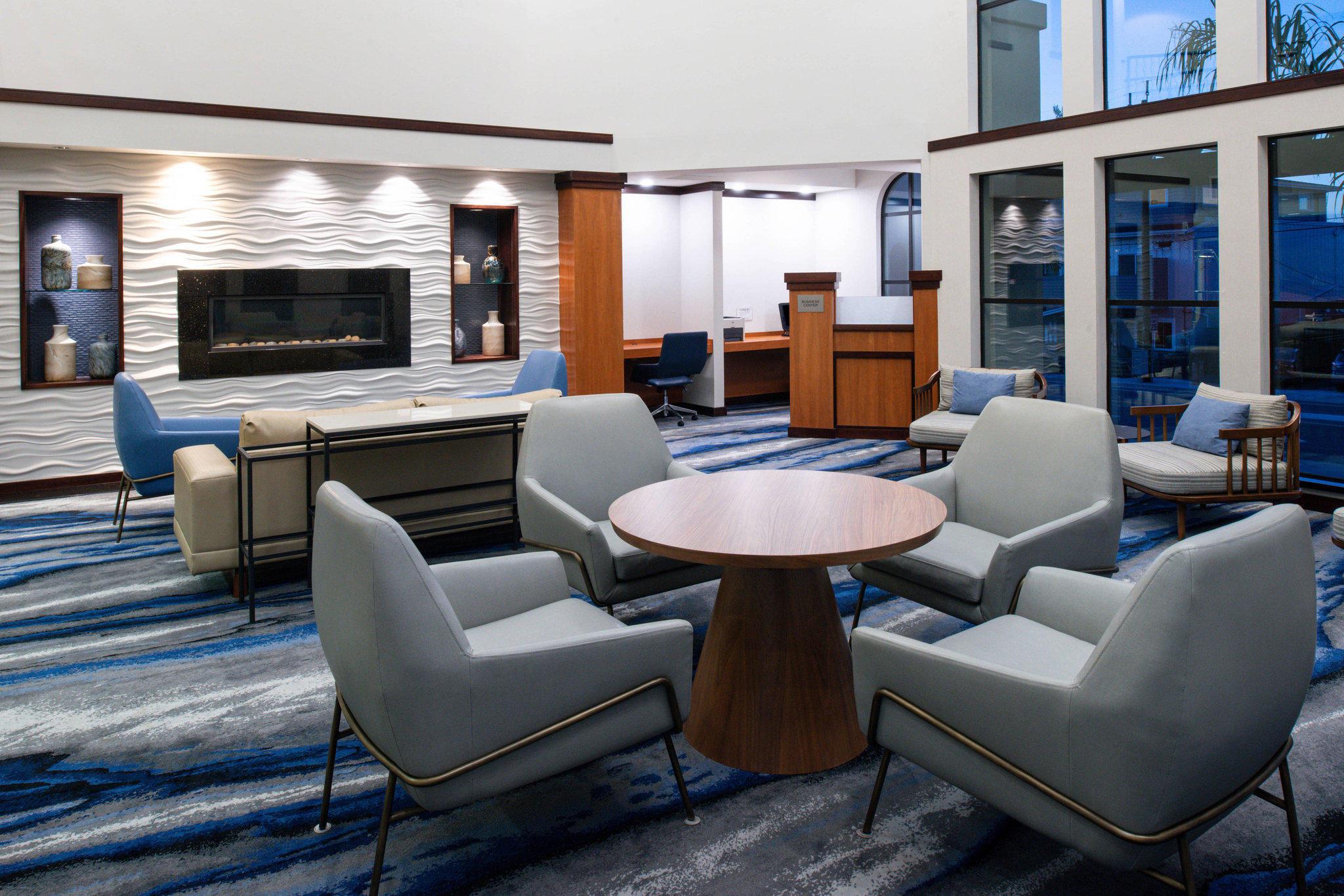 Fairfield Inn & Suites by Marriott Santa Cruz - Capitola