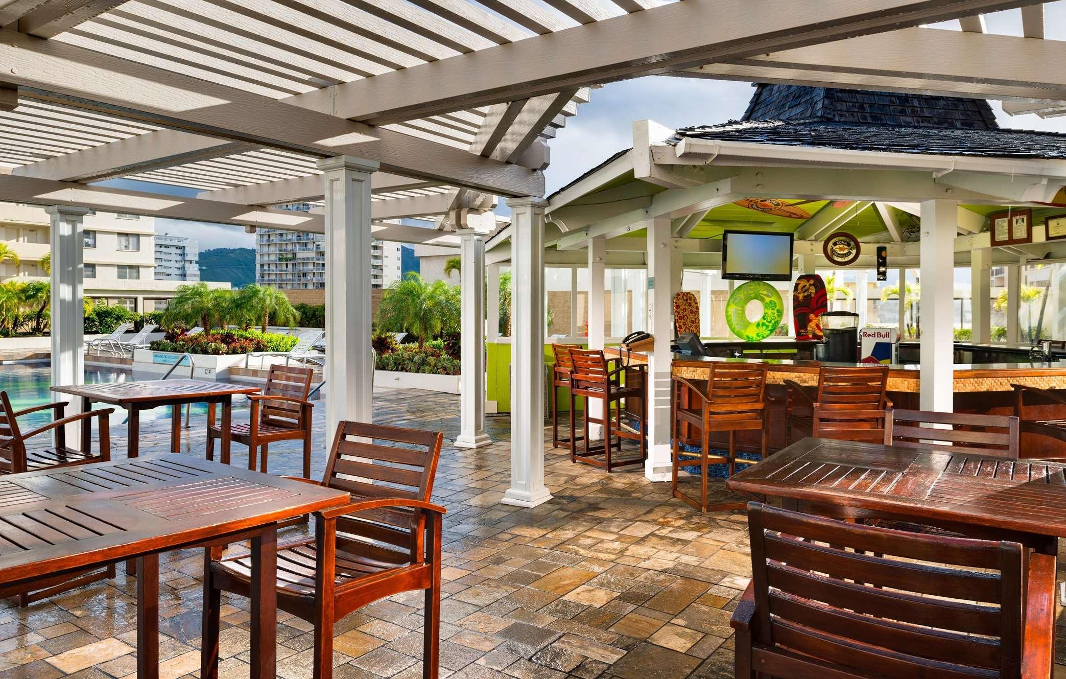 Hilton Waikiki Beach image 2