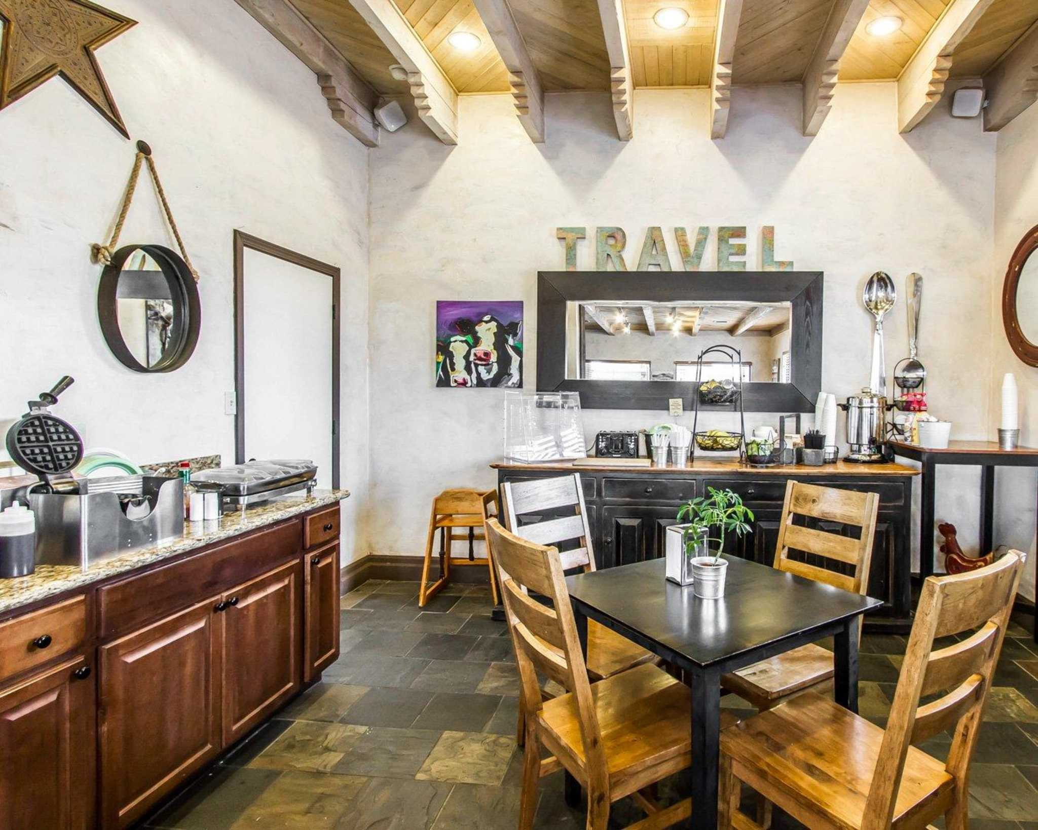 Rodeway Inn & Suites Downtowner-Rte 66 image 19